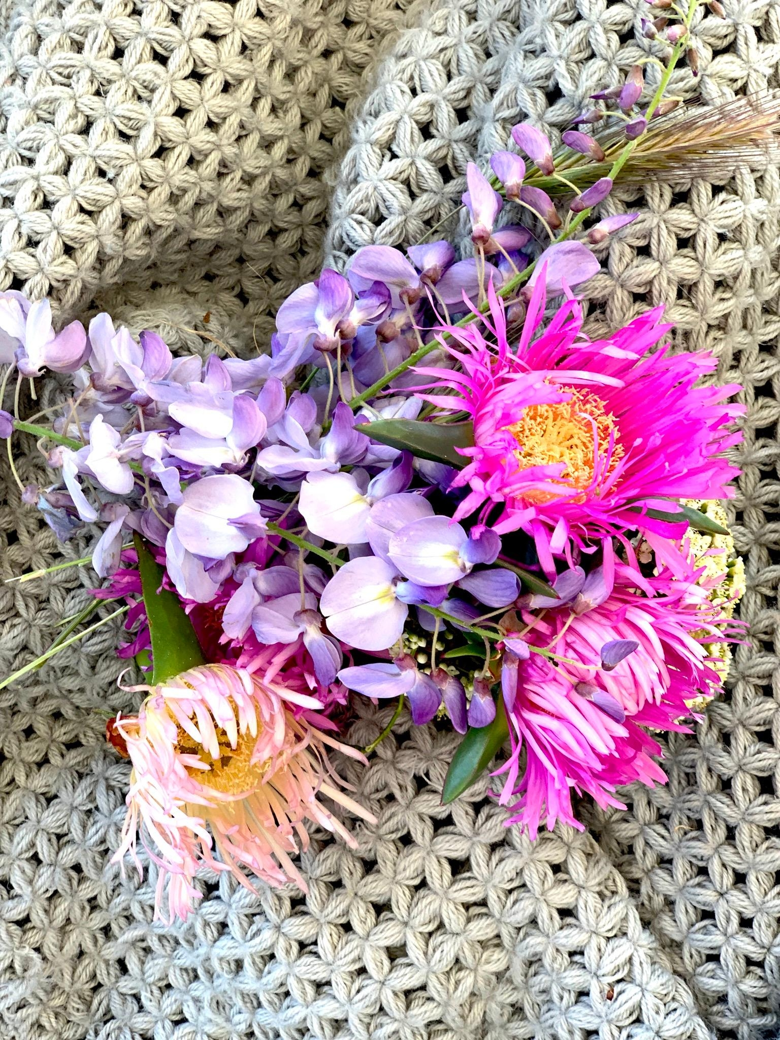 #freshflowers for you! ❤️ #couchliebt #couchstyle #istanbul #städtereise