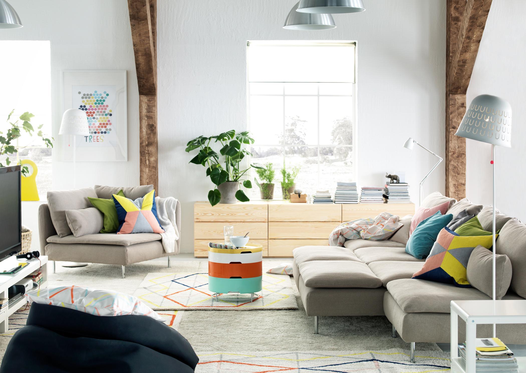 Frischer Look fürs Wohnzimmer #teppich #stehlampe #i...