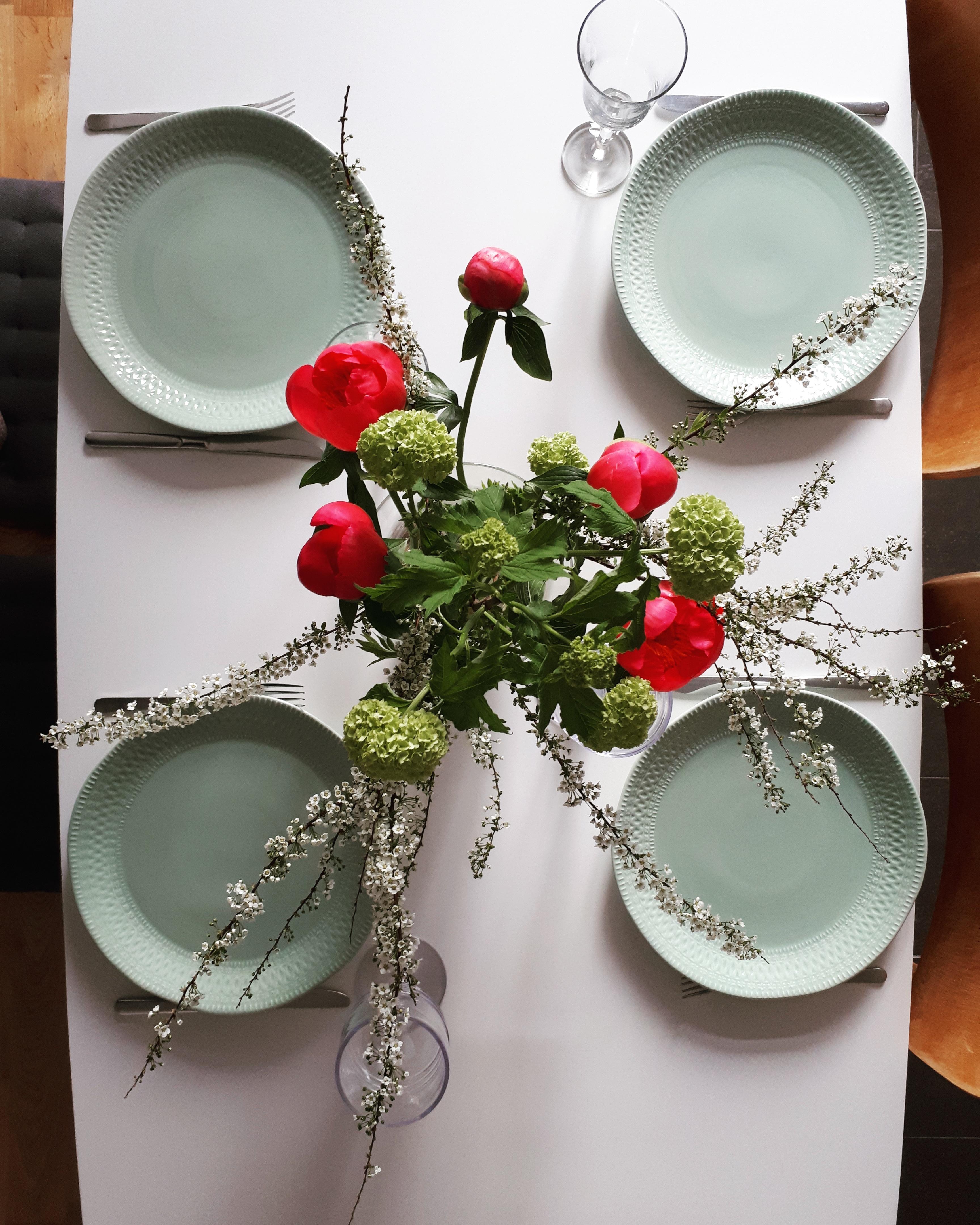 Fruhlingshafte Tischdeko Esstisch Kuche Dinn