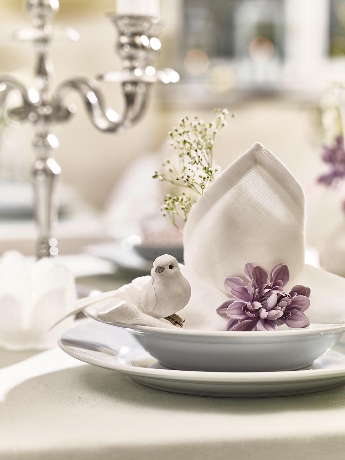 Fruhlingshafte Tischdekoration Geschirr Tisch Dep