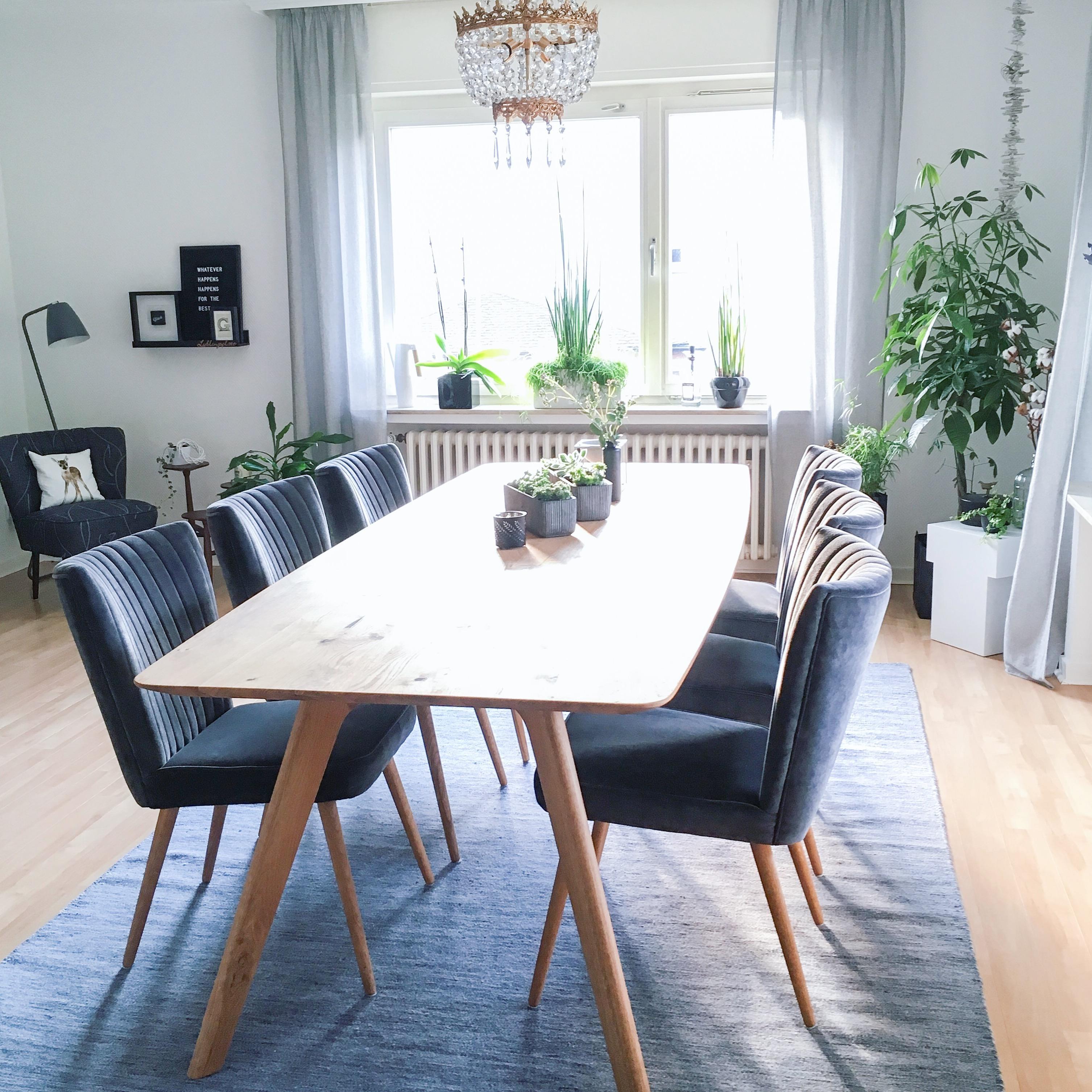 holztisch bilder ideen couchstyle. Black Bedroom Furniture Sets. Home Design Ideas