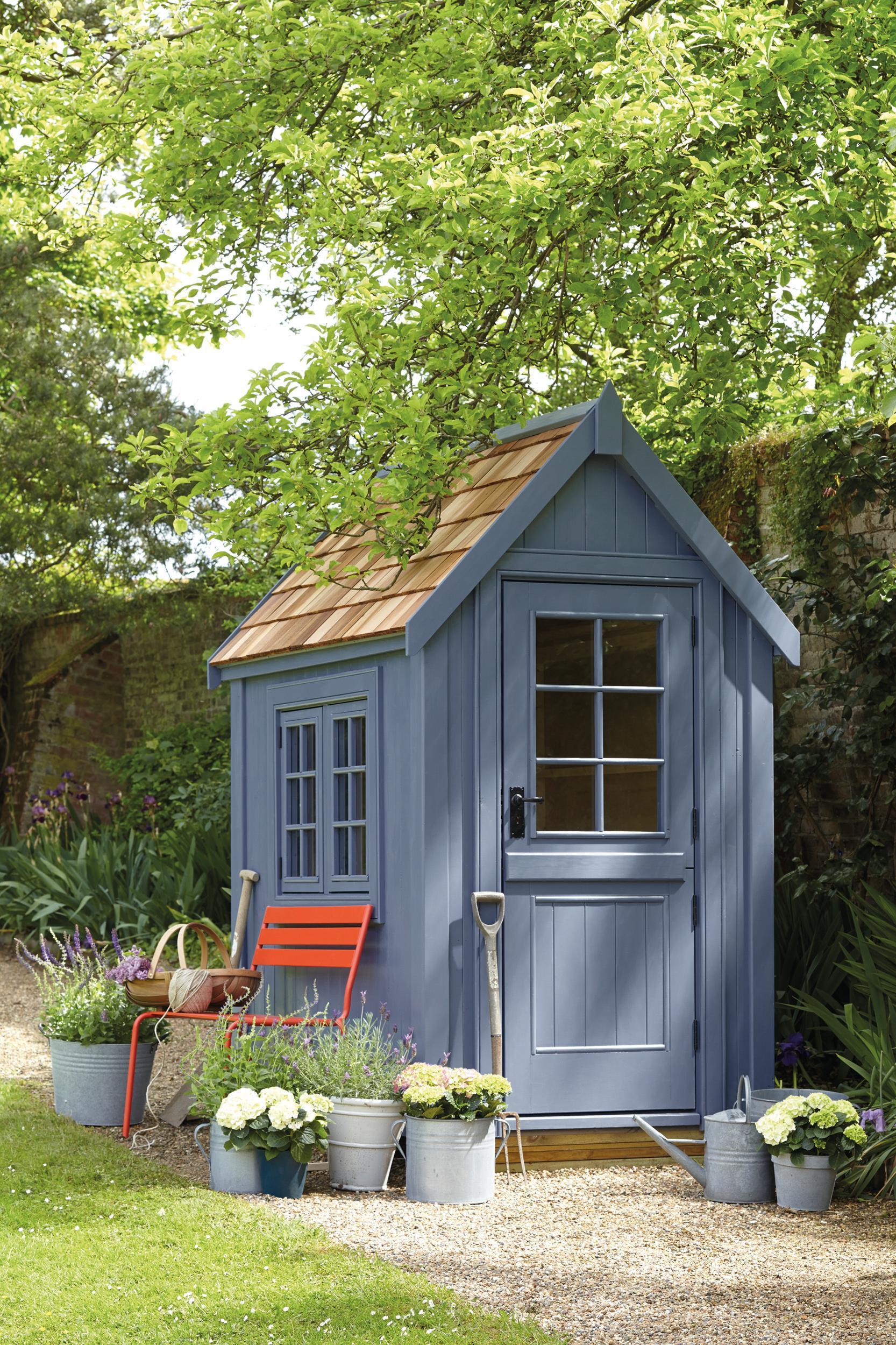 Gartenhaus In Blau #gartenhaus #gartenbank #gartengestaltung #geräteschuppen  ©Little Greene