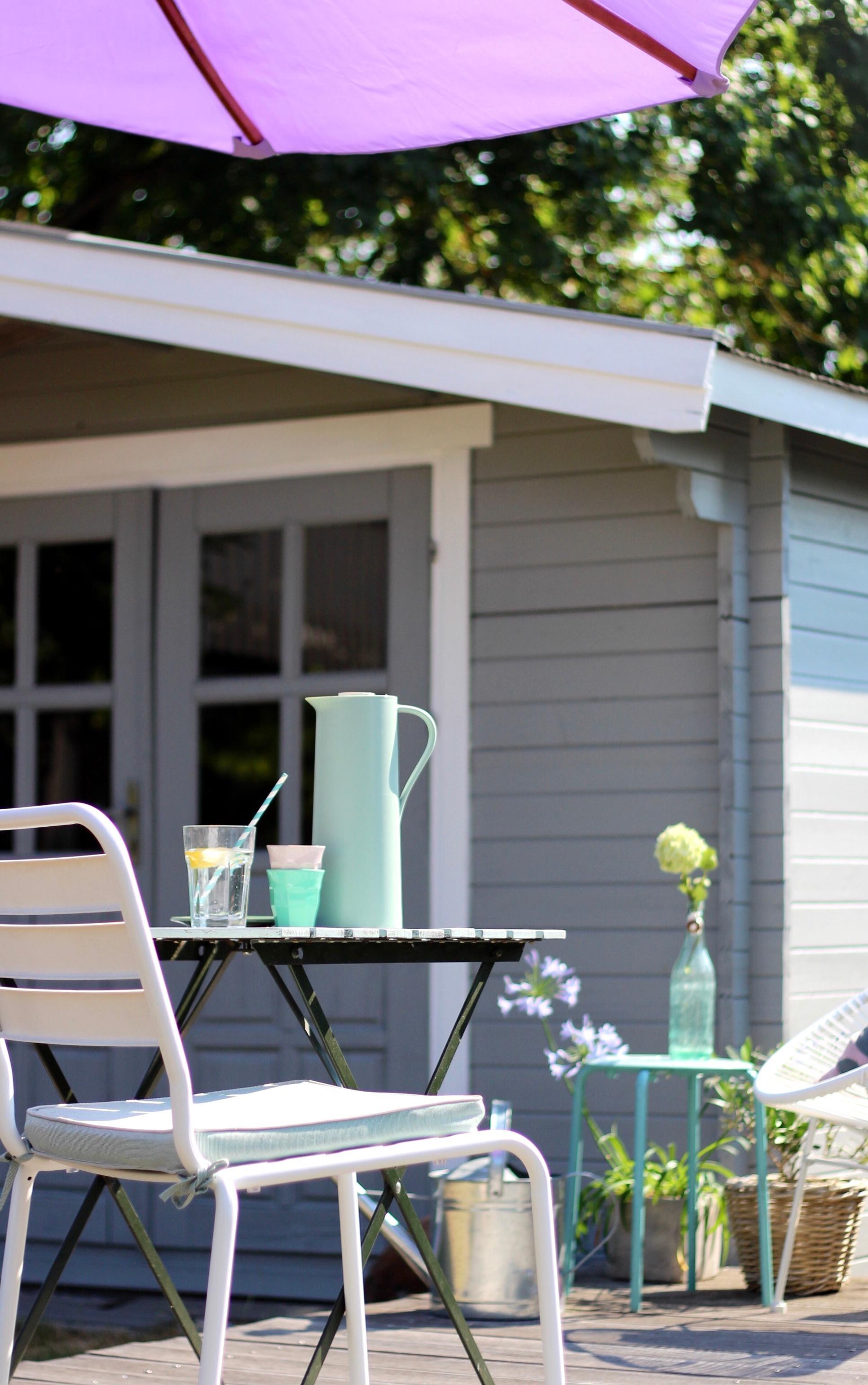 #living #outdoor #garten #balkon #sonnenplatz #sonnenschirm #gartenhaus