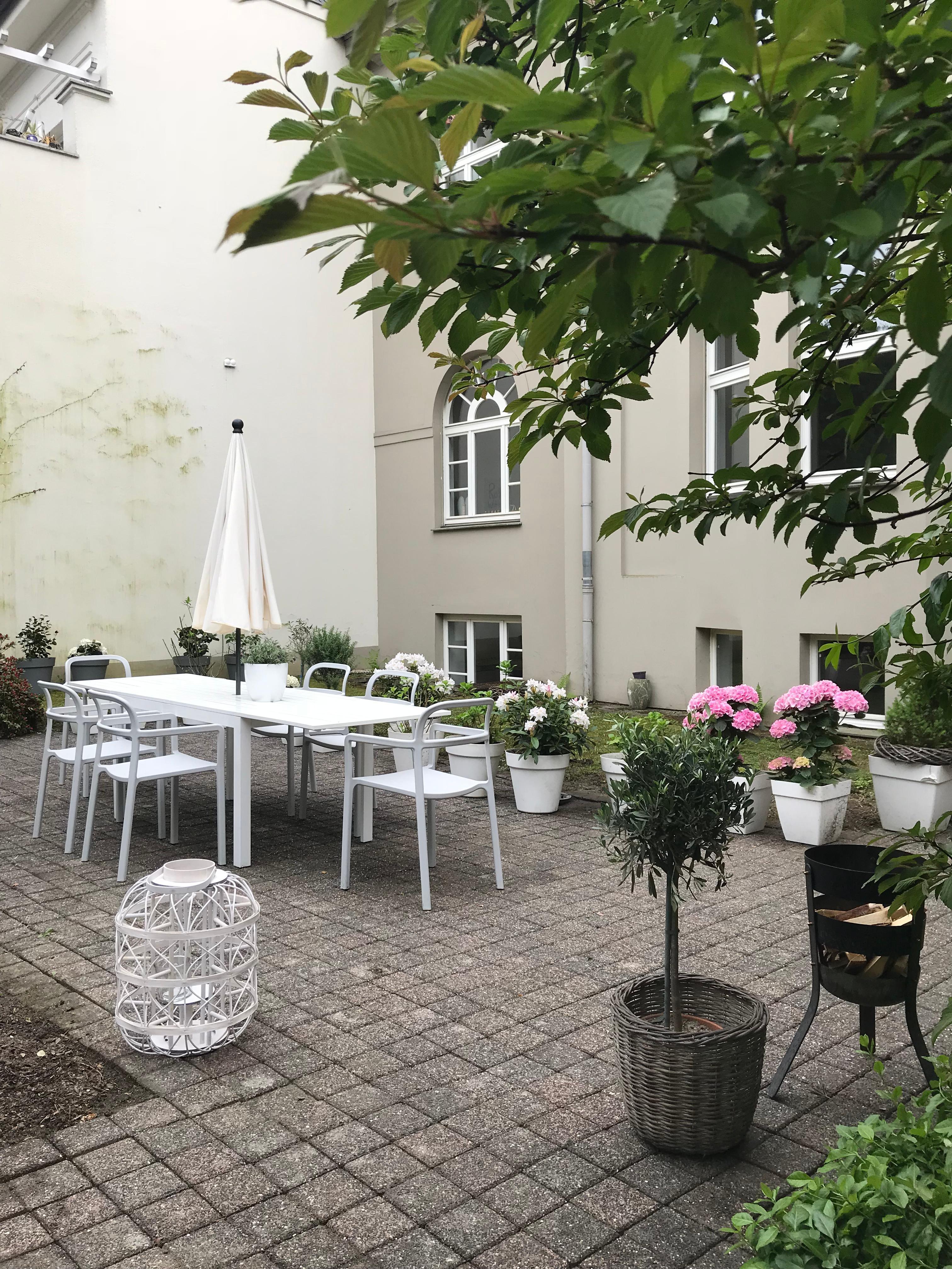 Gartenzeit #garten#ikea#hay#menu#feuerkorb#blumen#gartenmöbel#