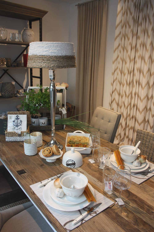 gedeckter tisch bilder ideen couchstyle. Black Bedroom Furniture Sets. Home Design Ideas