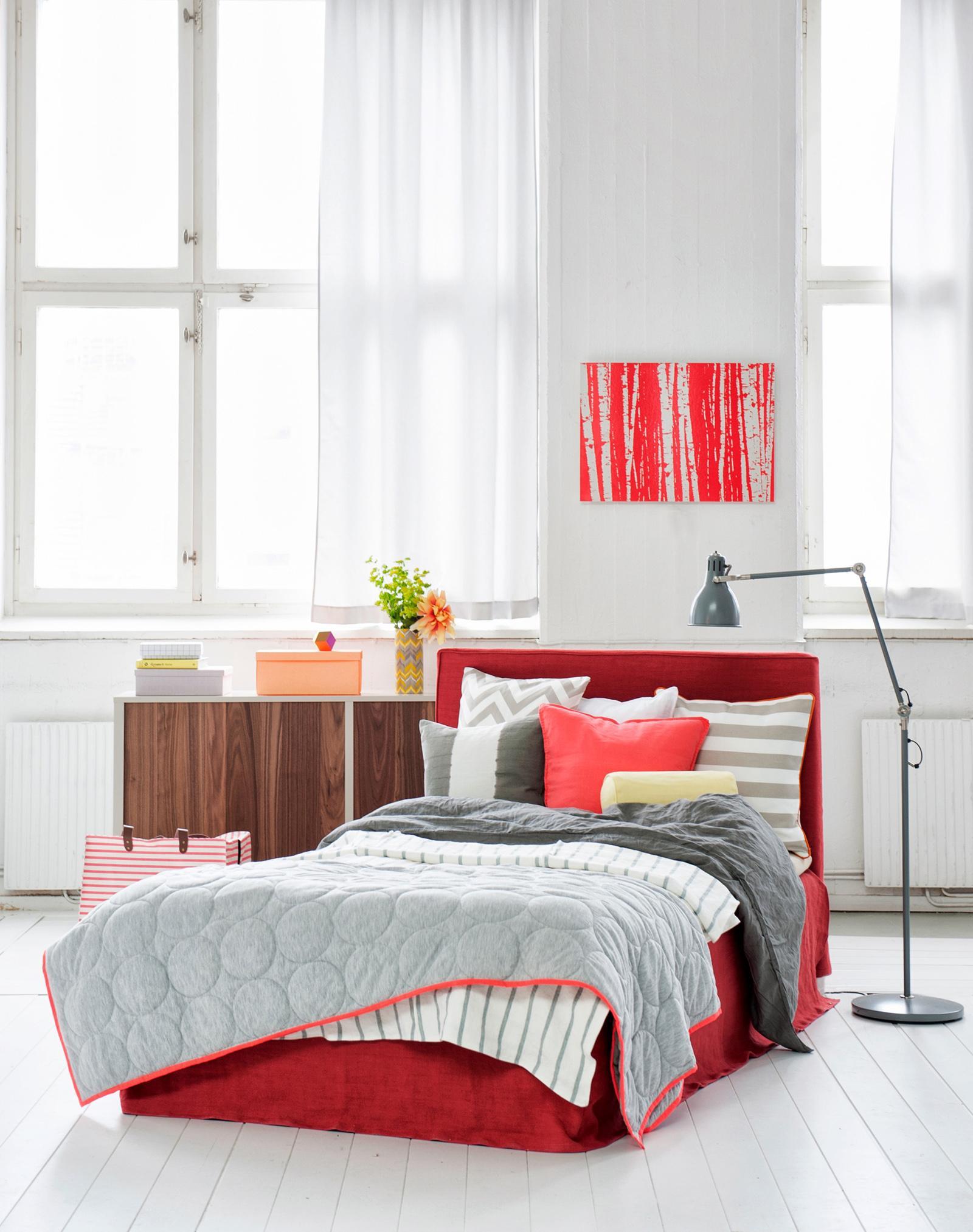 gem tliche tagesdecke und dekokissen bett tagesdec. Black Bedroom Furniture Sets. Home Design Ideas
