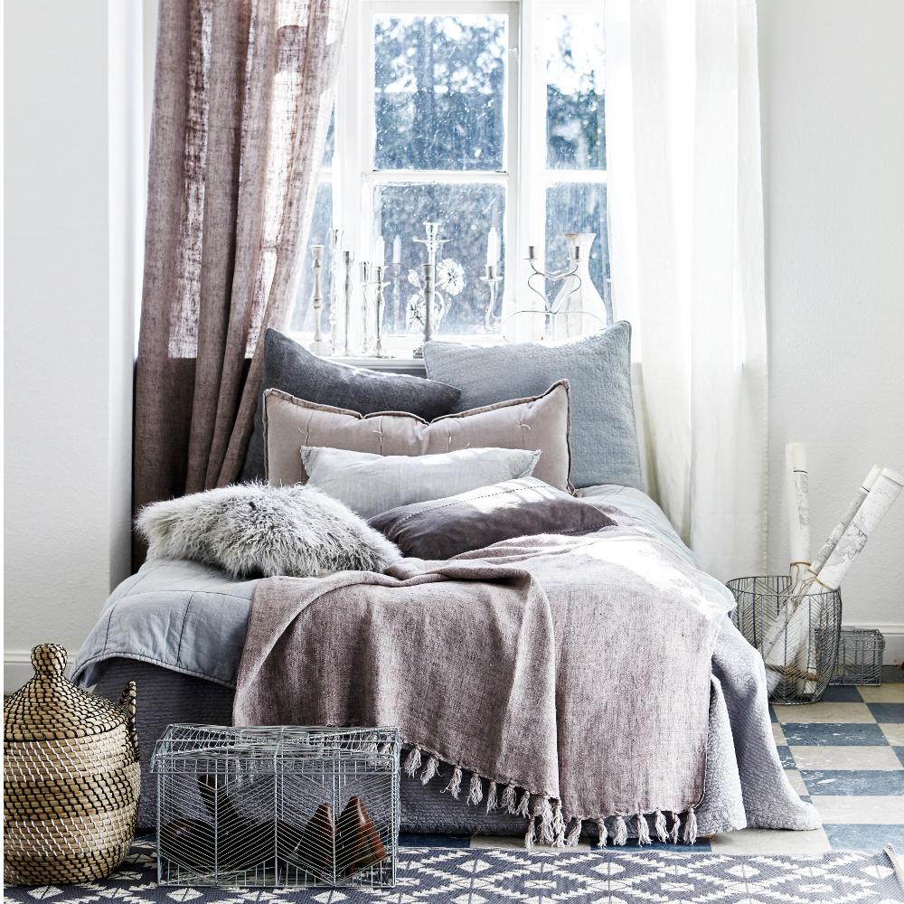 gemütlichkeit und romantik #wohnzimmer #kissen #gesc • couchstyle, Wohnzimmer