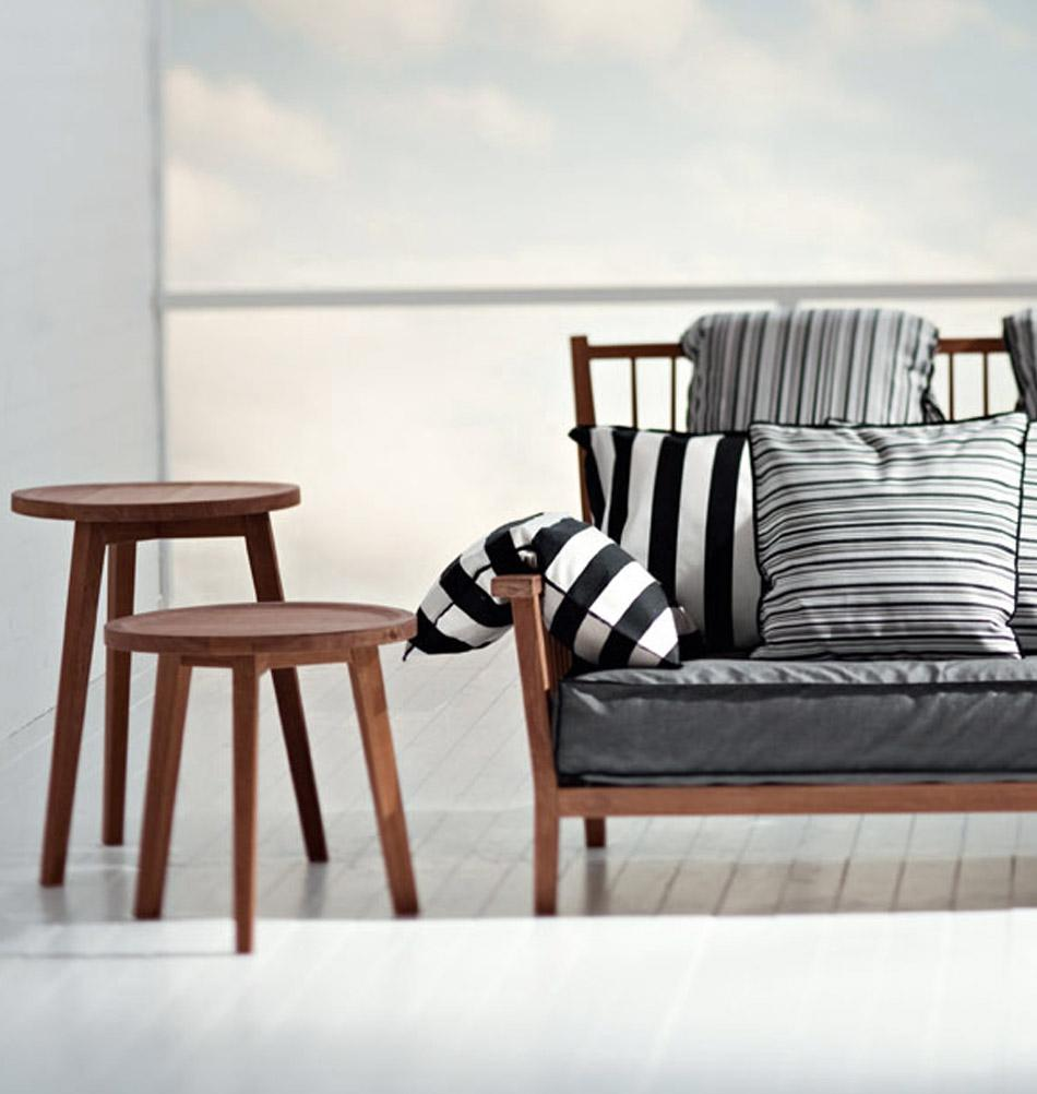 Sofa aus holz bilder ideen couchstyle for Couch beistelltisch holz