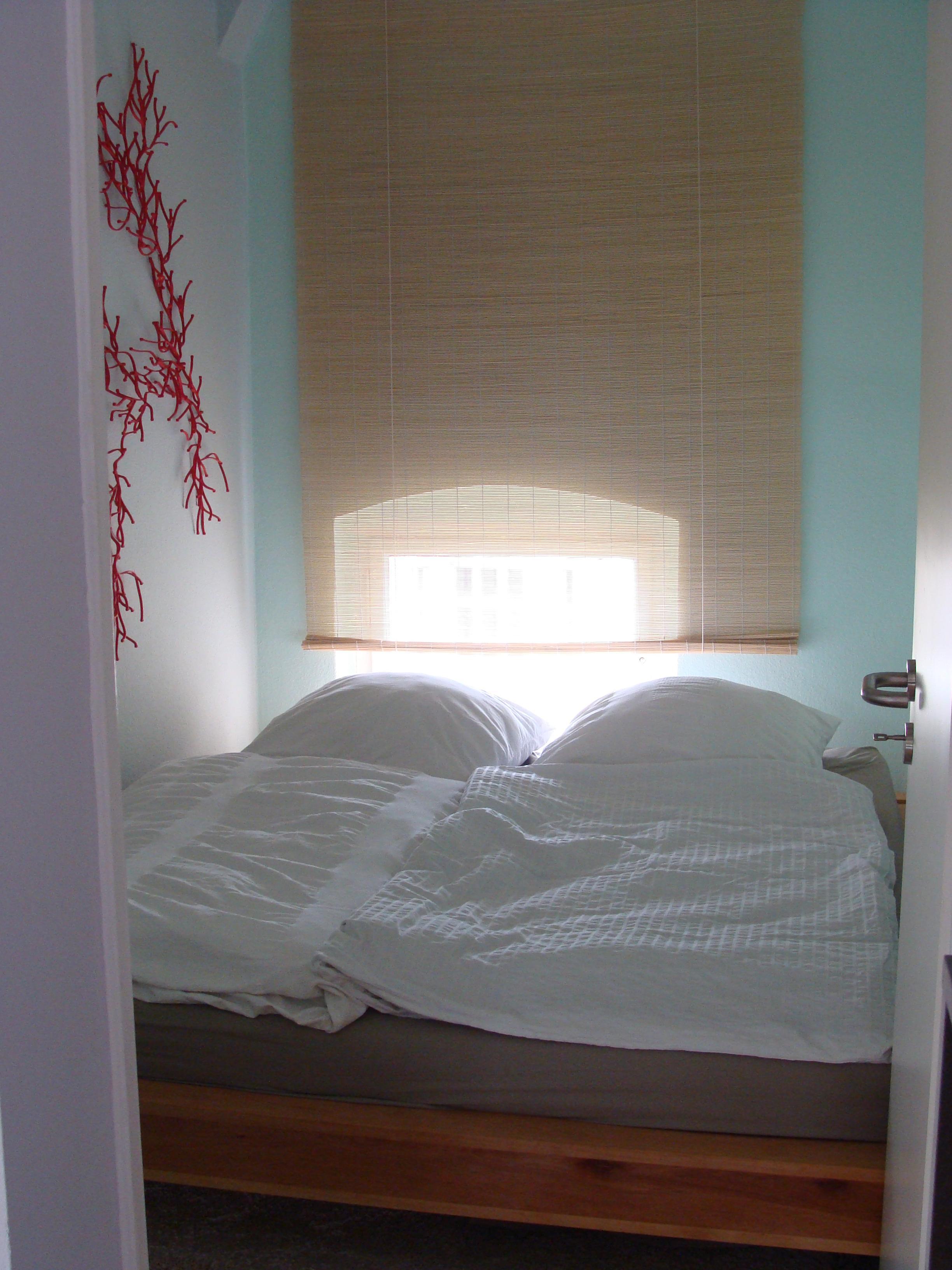 Grünes Schlafzimmer mit Bastrollo #bastrollo ©Mareik...