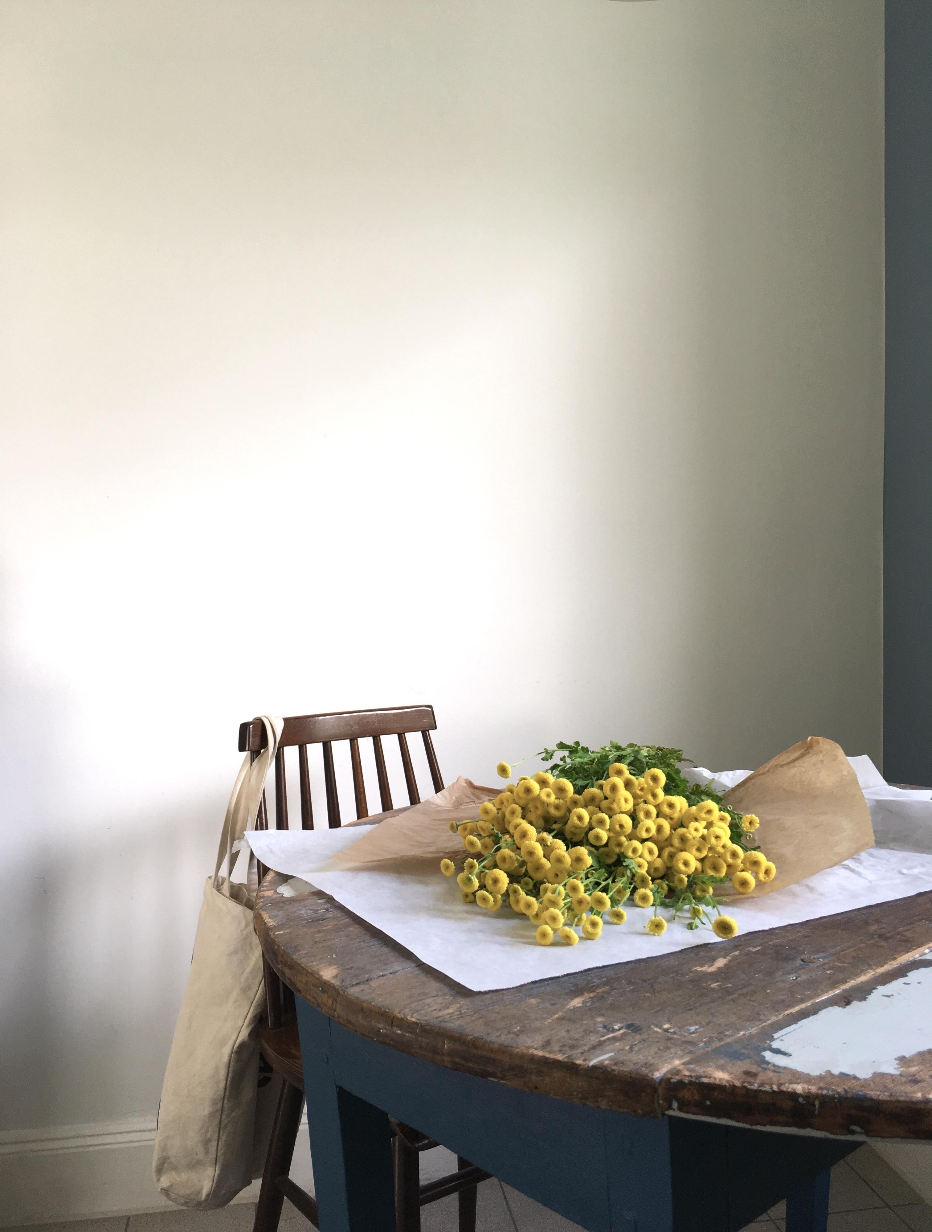 die sch nsten wohnideen rund um den tisch gibt 39 s hier. Black Bedroom Furniture Sets. Home Design Ideas