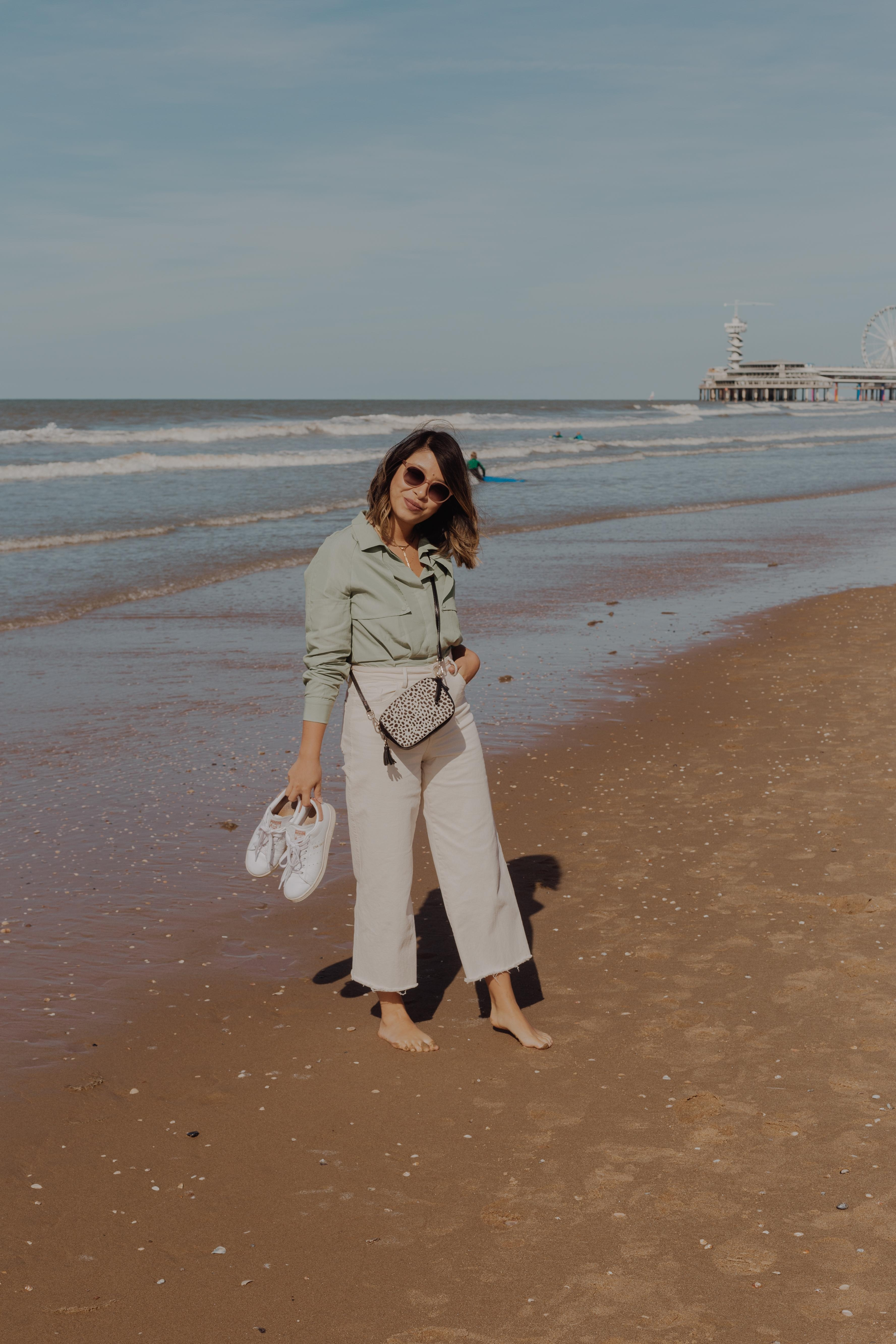 happiest when at the sea :) #ootd #holidayvibes #lifeisbetteratthebeach