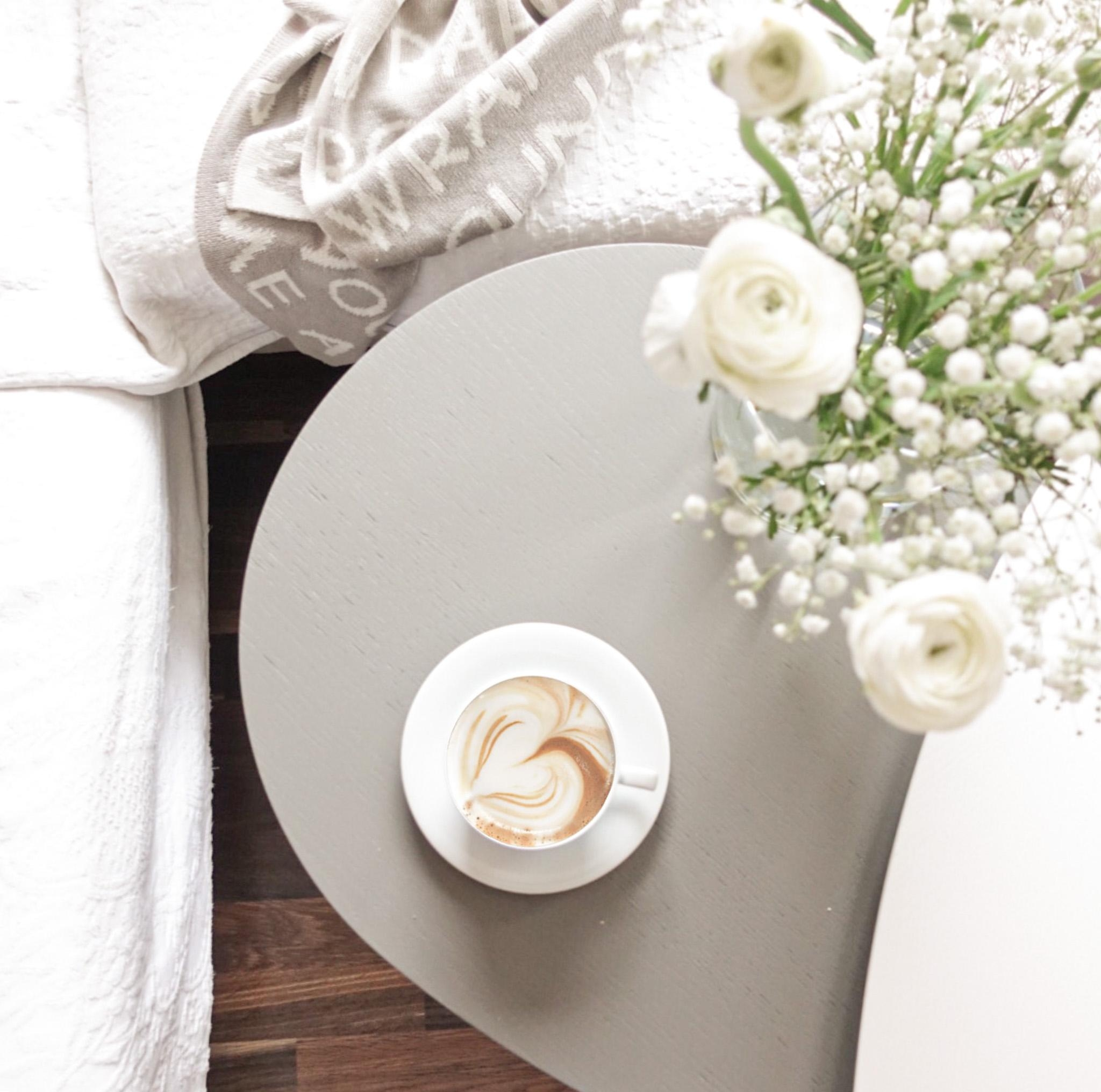 Happy monday! #happymonday #coffeelover #interiorstyle