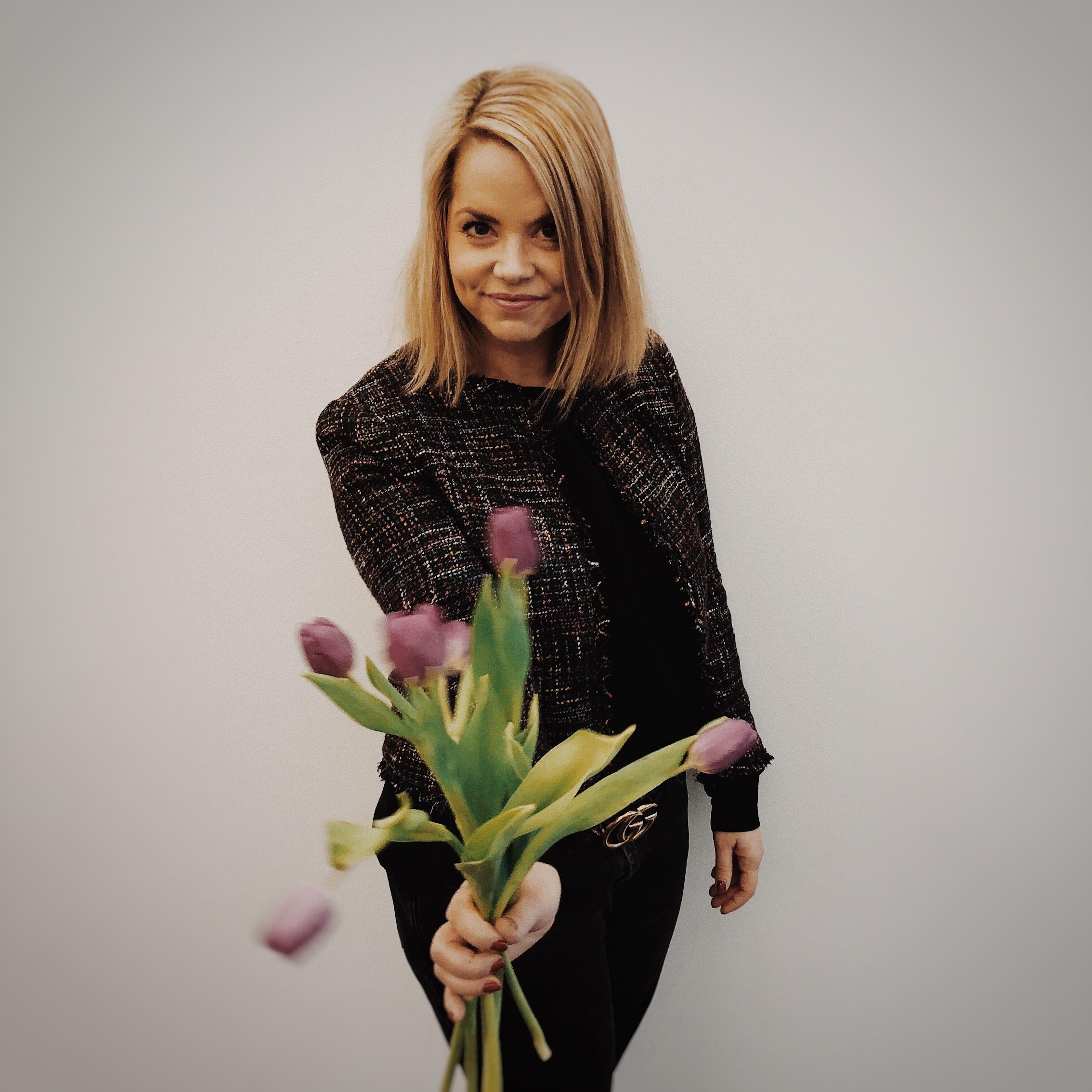 Happy Weltfrauentag. #flowers #blumen #blonde #fashincrush #justme #lifestyle