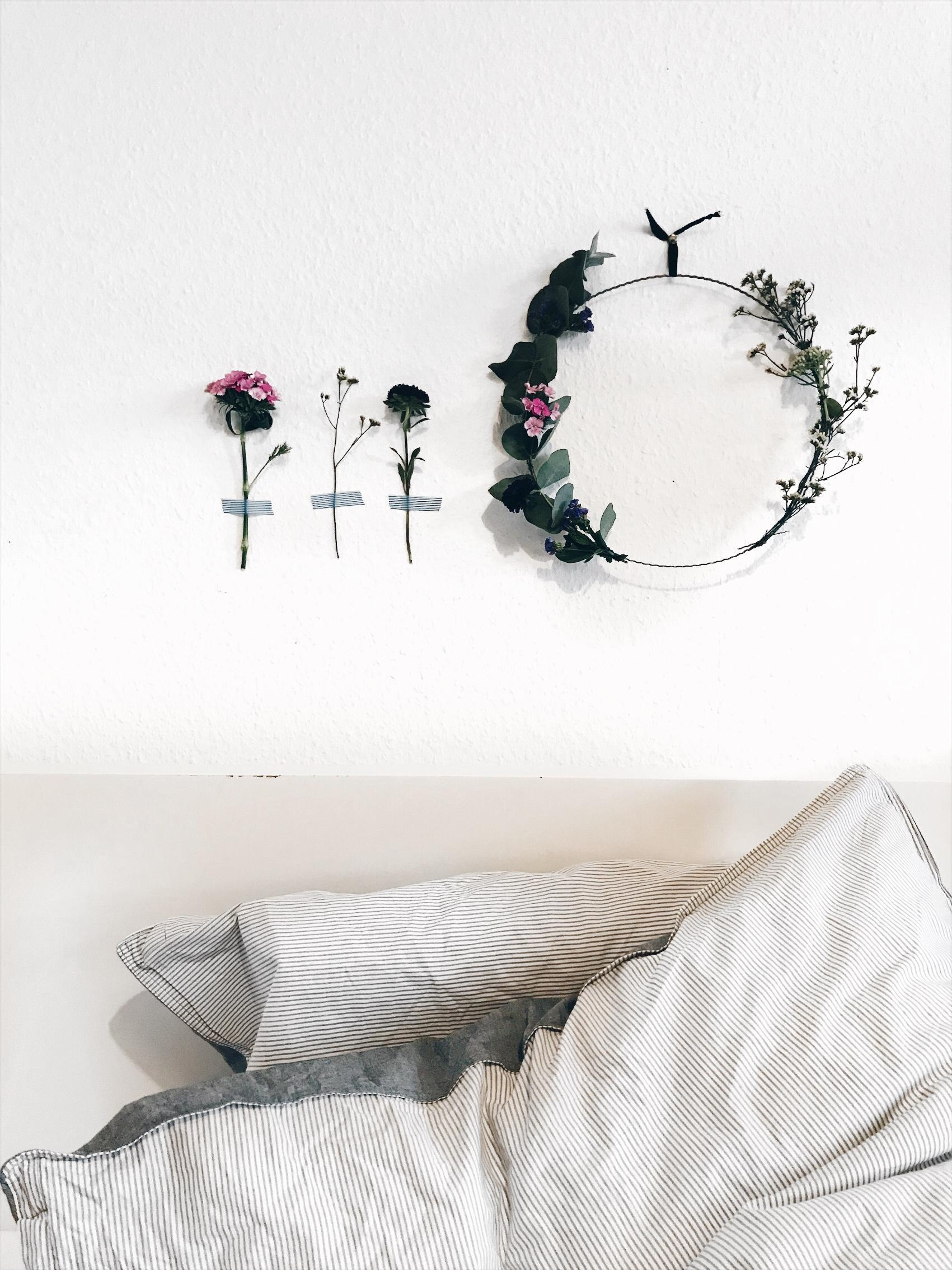 #Happyplace #bedroom #cozy #living #home #couchliebt #minimalism #flowers #couchstyle #home #interior