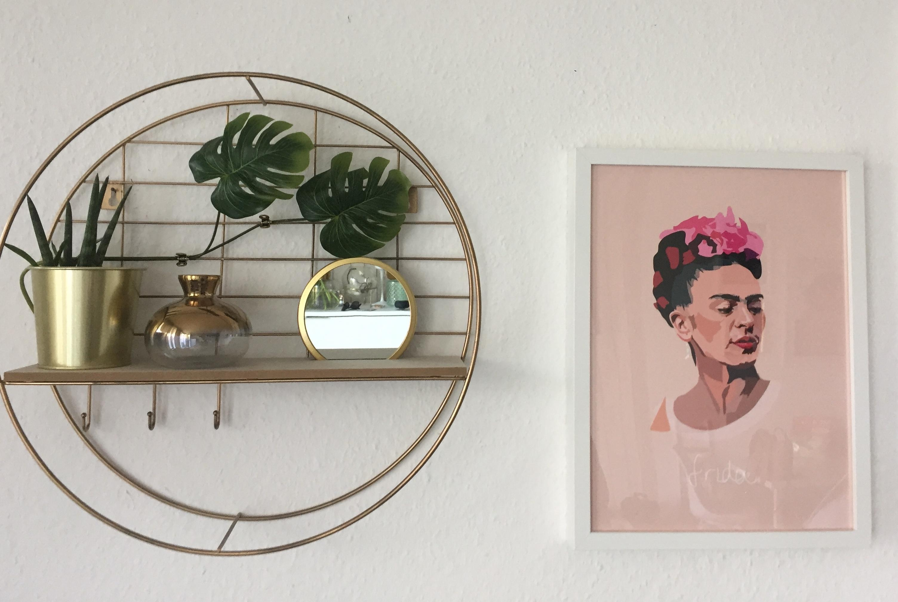 #happysunday#gold#frida#livingroom}