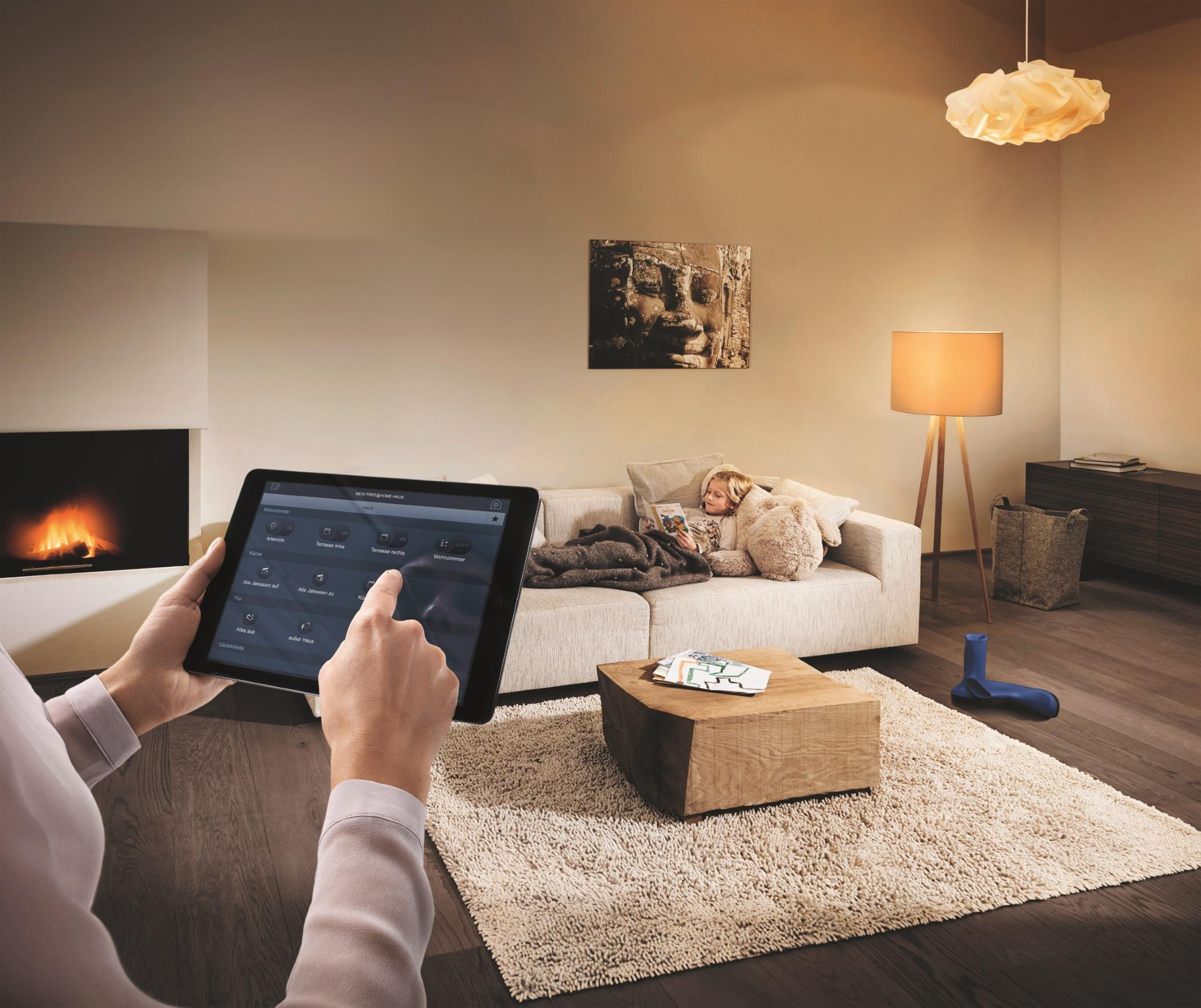 Heimsteuerung FreehomePanel Von BUSCH JAEGER Kamin Wohnzimmergestaltung Smarthome