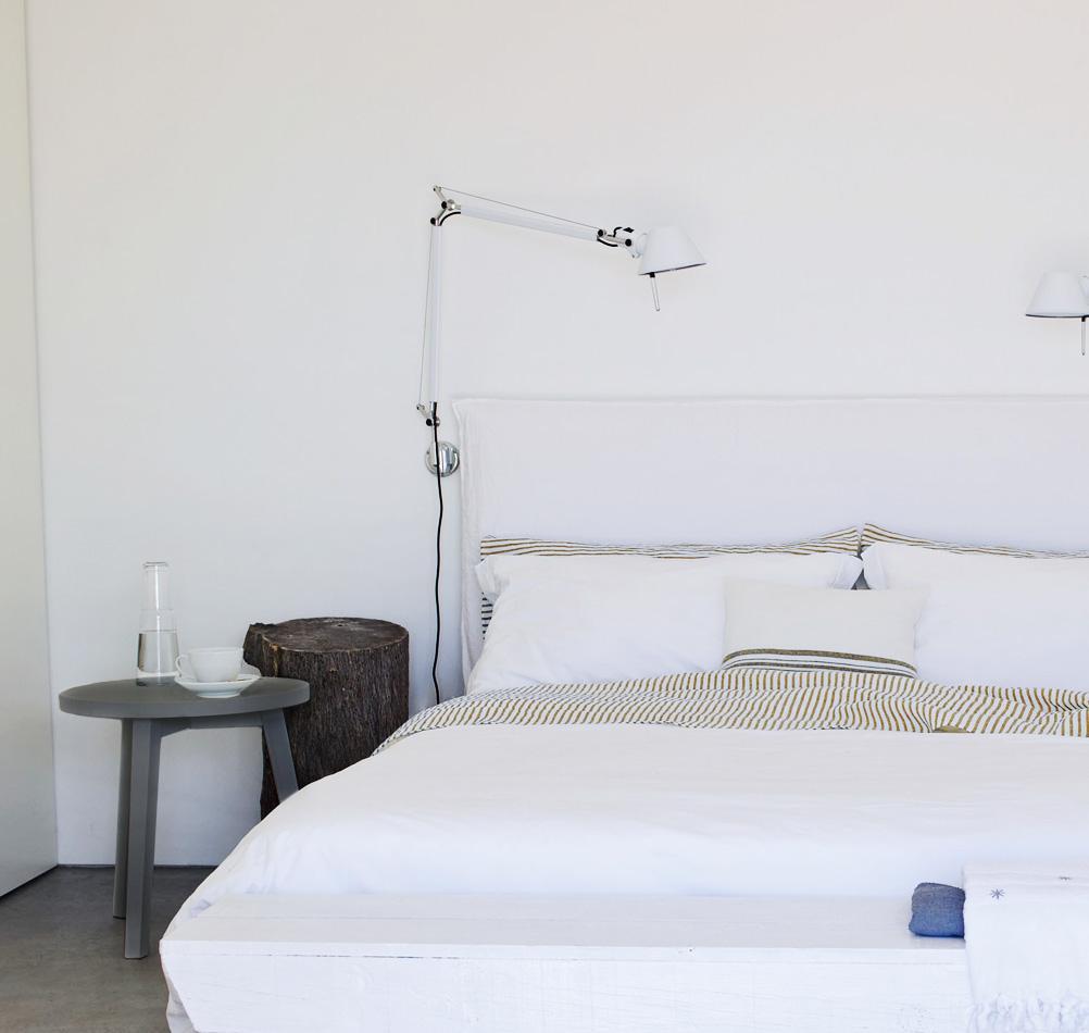 Beistelltisch Schlafzimmer • Bilder & Ideen • COUCH