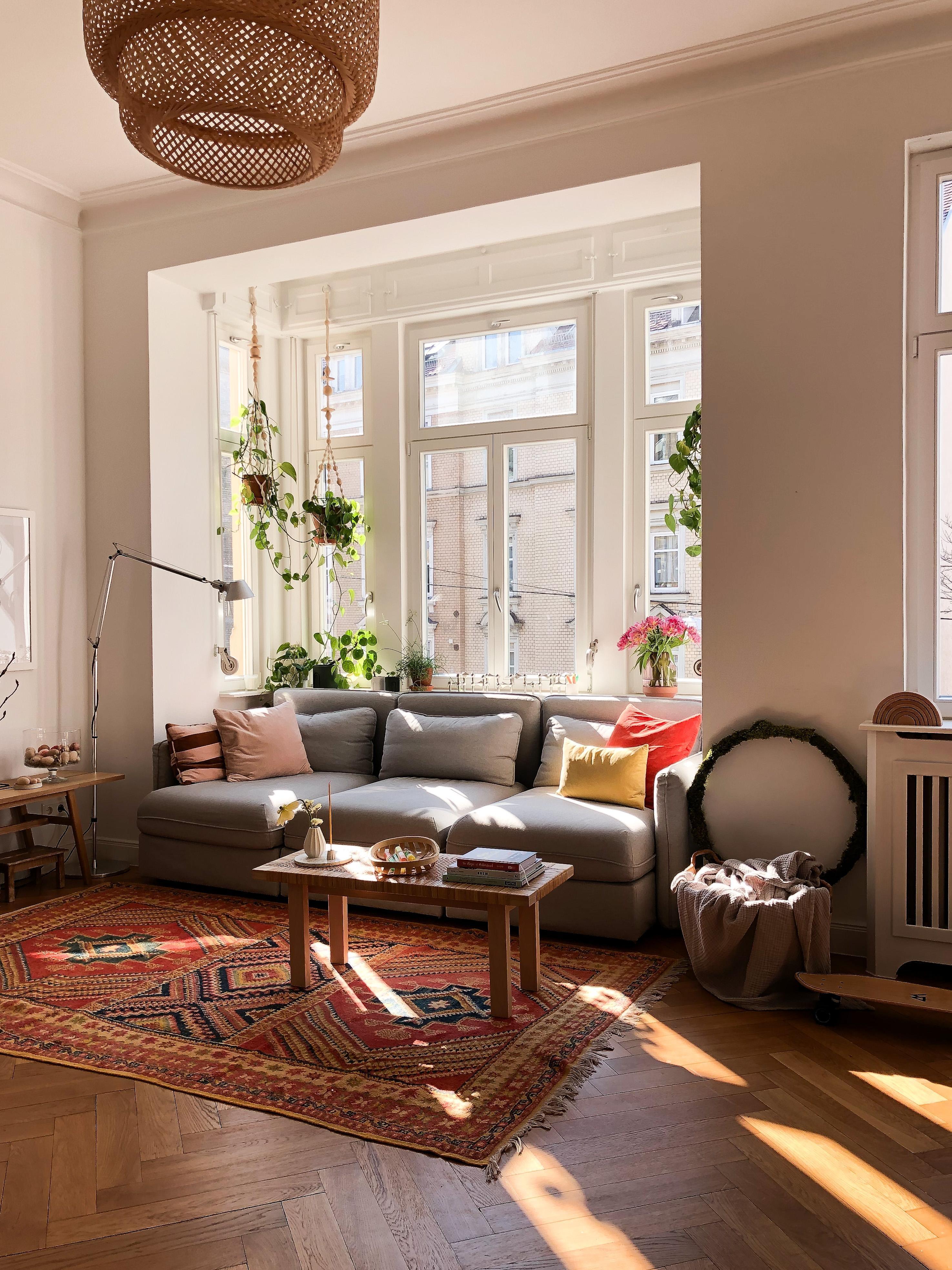 Hello #sunshine ! #wohnzimmer #sofaecke #pflanzenlie...
