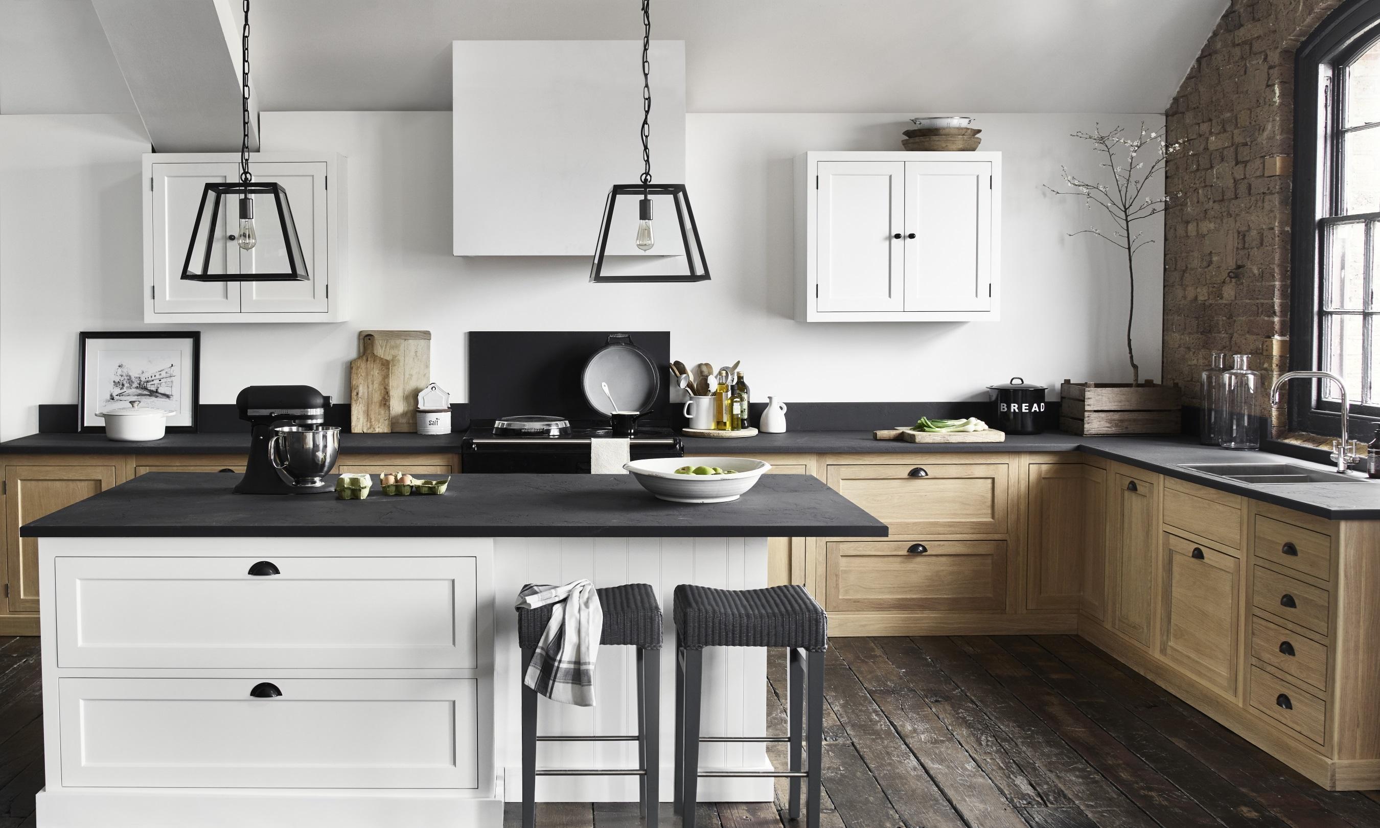 Henley Küche #barhocker #dielenboden #wandfarbe #alt...
