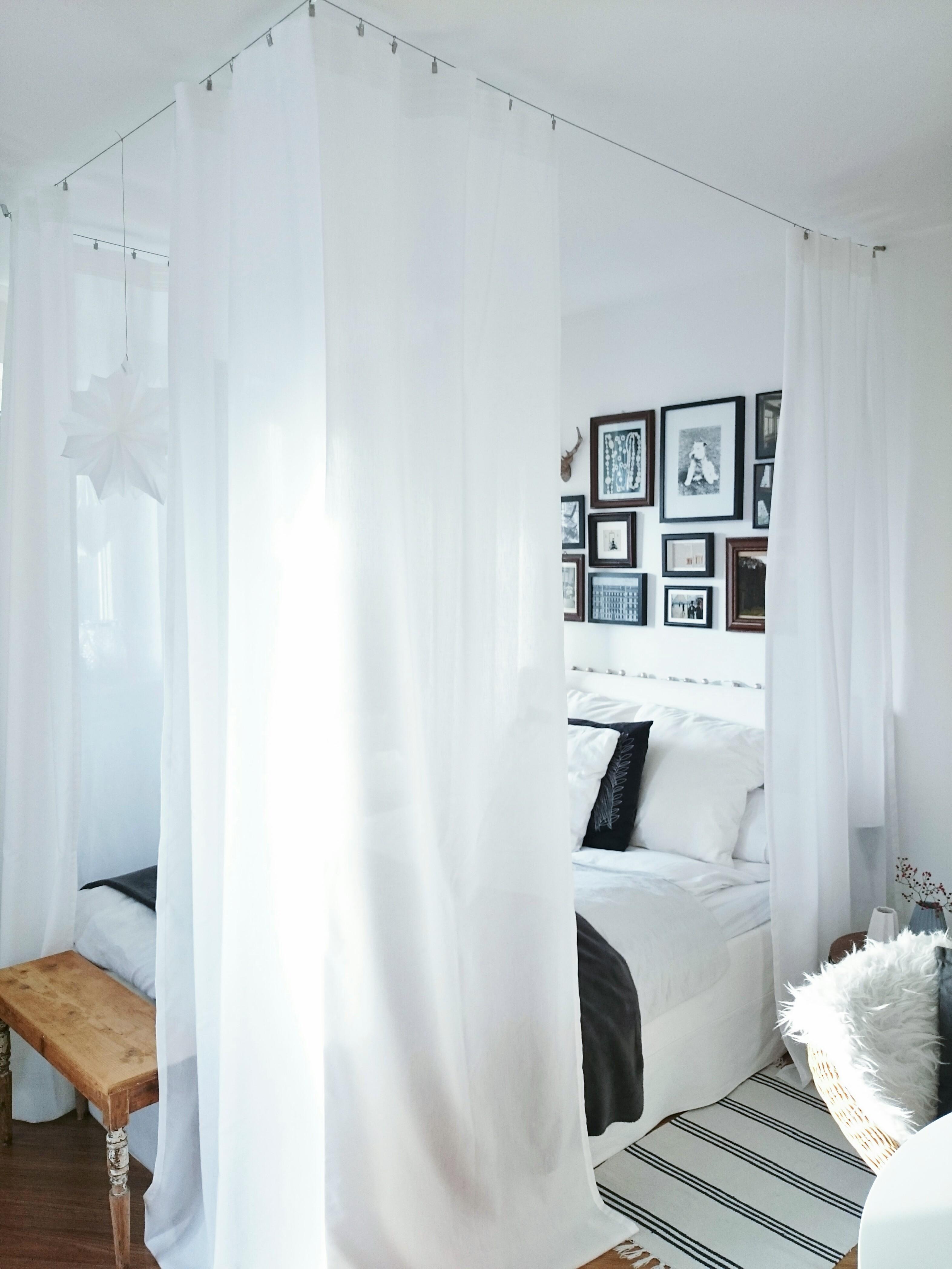 #Himmelbett #Schlafzimmer #couchstyle #bilderwand