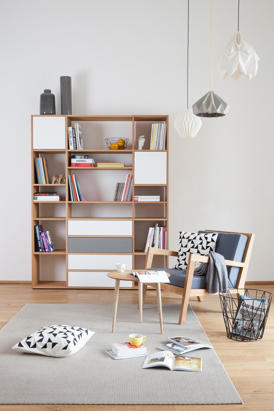 holzregal mit offenen und geschlossenen fächern #bib • couchstyle, Wohnzimmer