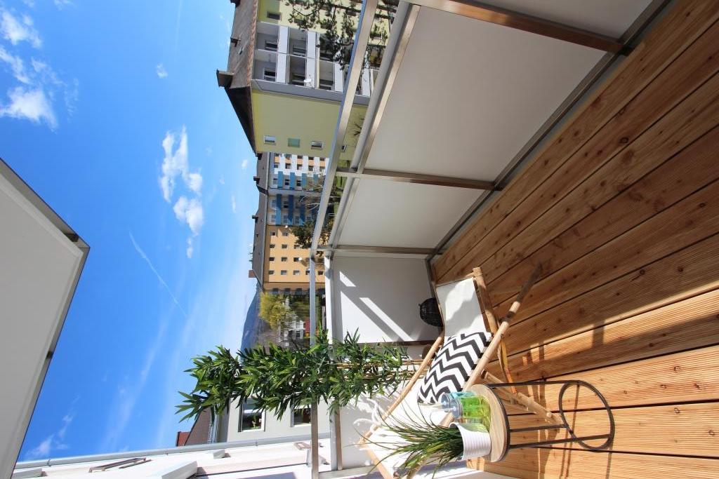 balkon deko bilder ideen couchstyle. Black Bedroom Furniture Sets. Home Design Ideas