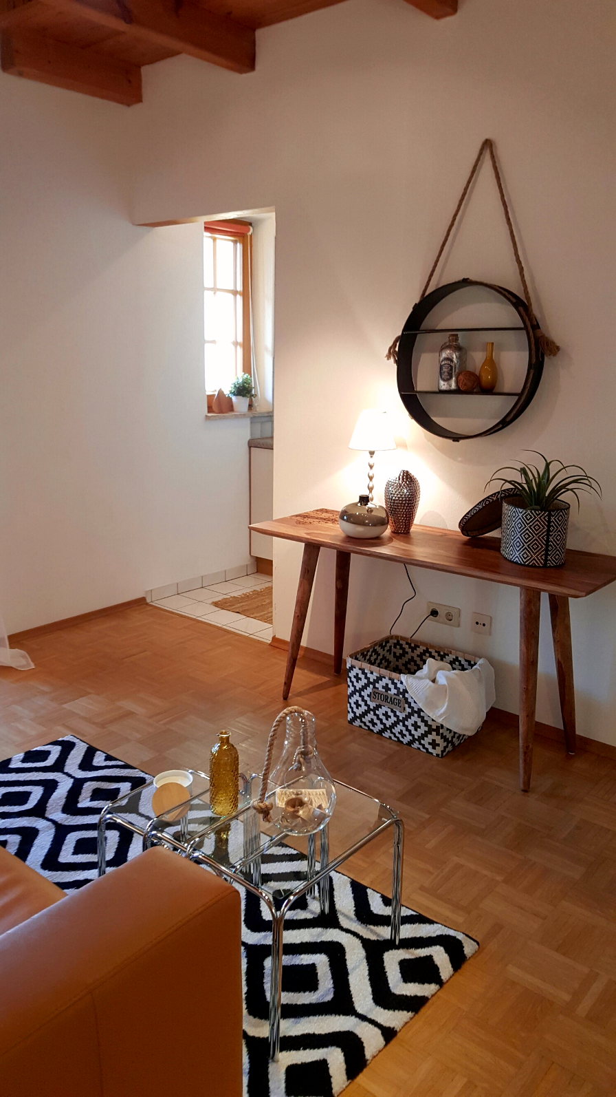 "Home Staging ""Black & White Ethno"" #konsole #wanddeko ©Vermöbelt - Home Staging"