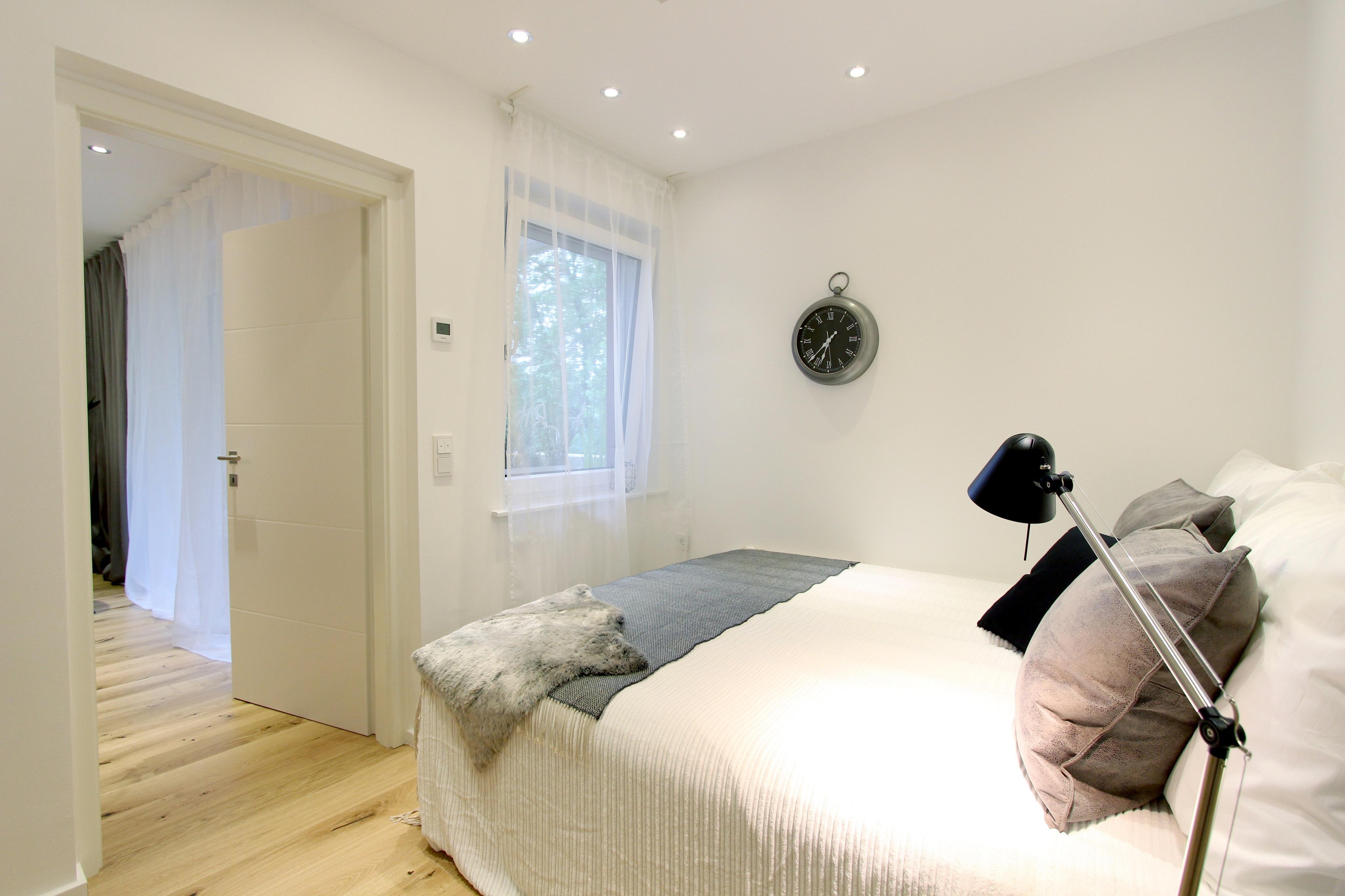 Home Staging Schlafzimmer #bett #ebenerdigedusche #e...
