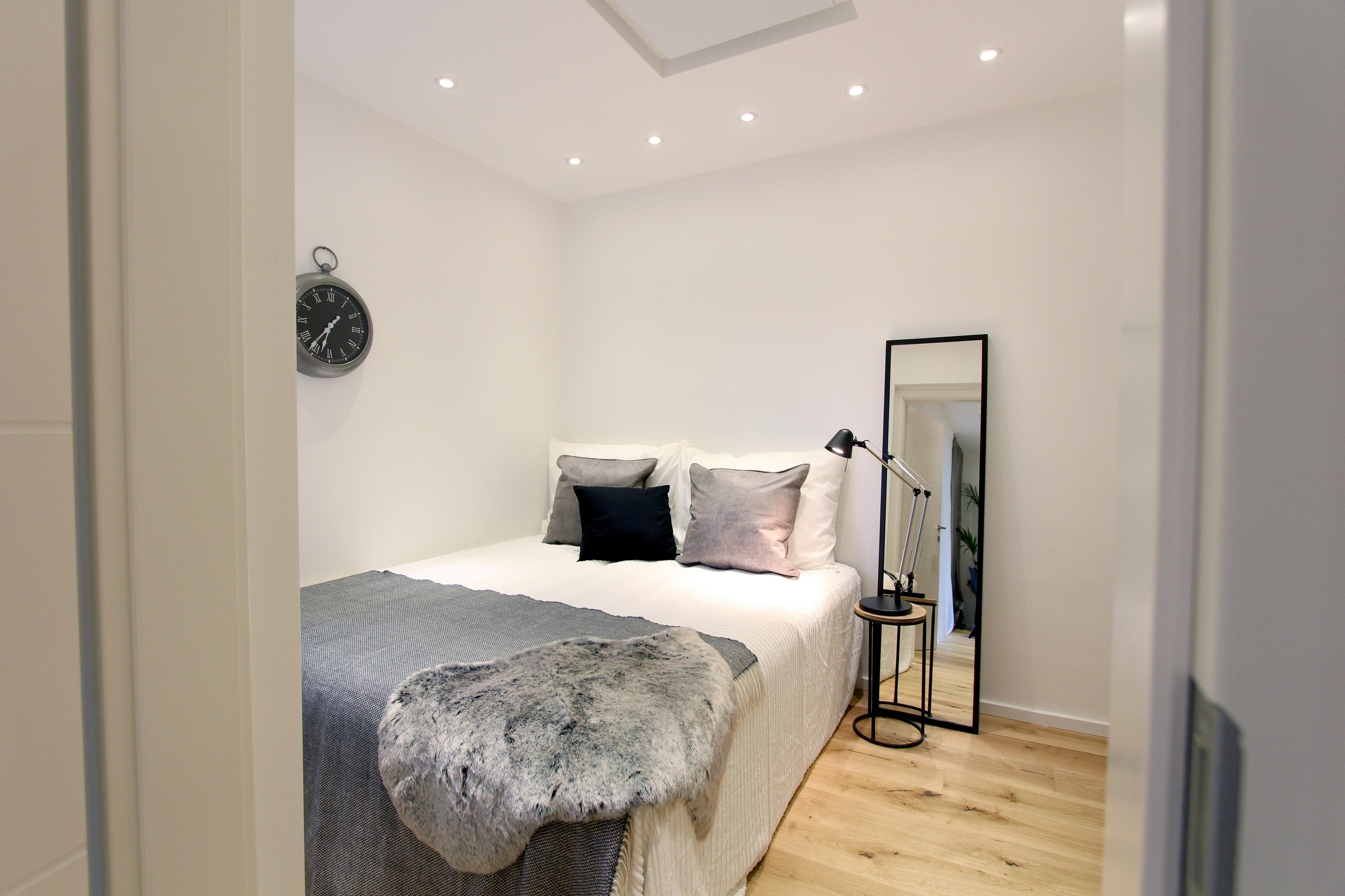 Home Staging Schlafzimmer #bett #spiegel #nachttisch...
