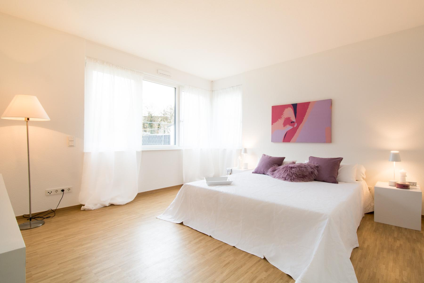 Home Staging Schlafzimmer #bodenbelag #bett ©Luna Home Staging