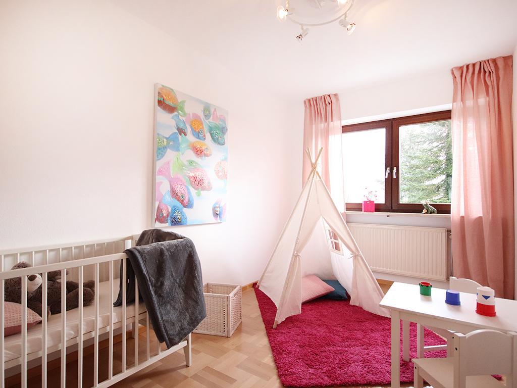 babyzimmer bilder ideen couchstyle. Black Bedroom Furniture Sets. Home Design Ideas