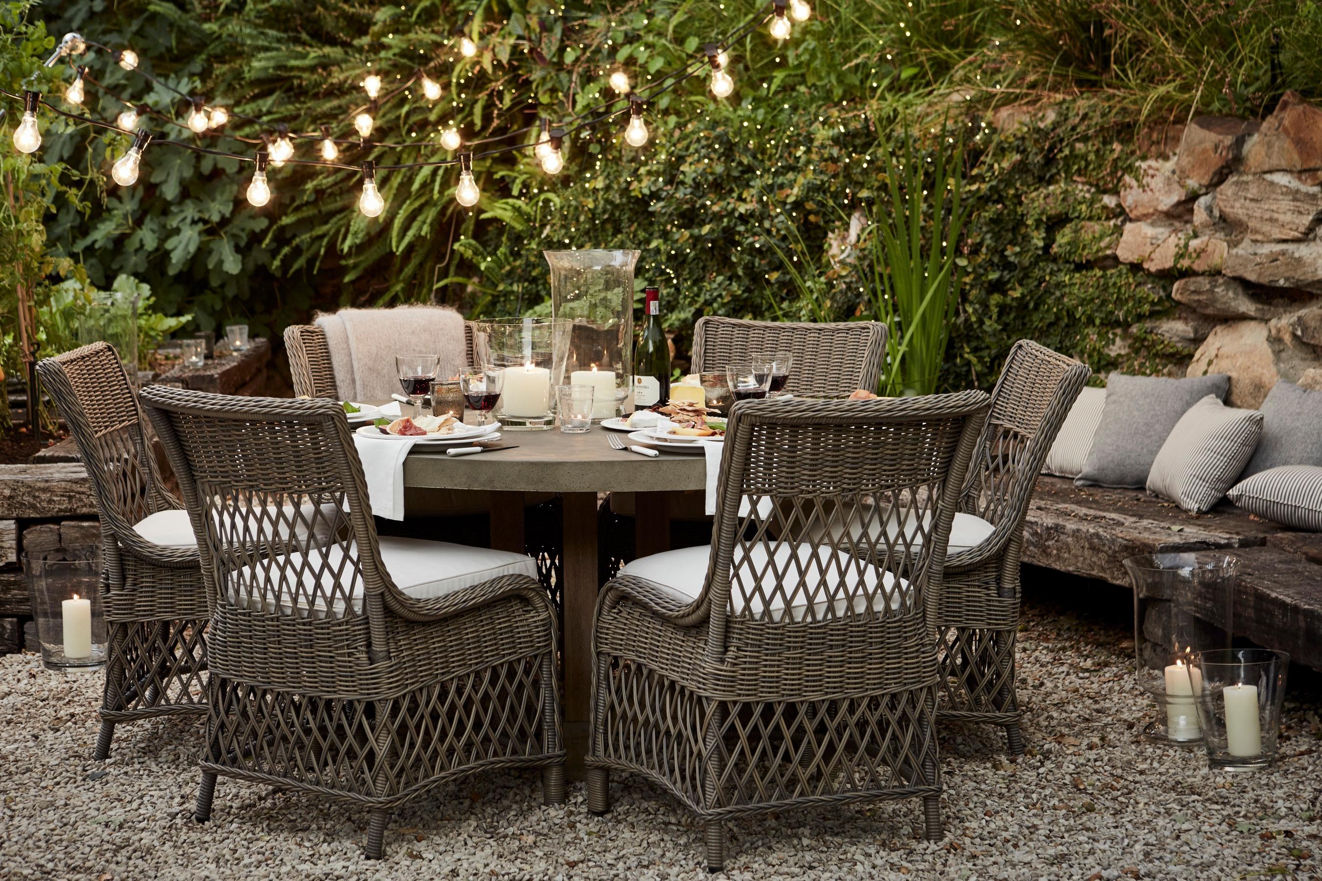 Gartenmöbel Im Landhausstil hudson tisch und harrington stühle terrasse kissen