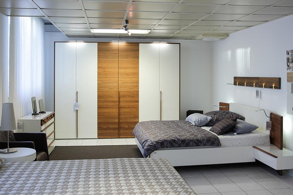 h lsta schlafzimmer cutaro bett schrank kommode. Black Bedroom Furniture Sets. Home Design Ideas