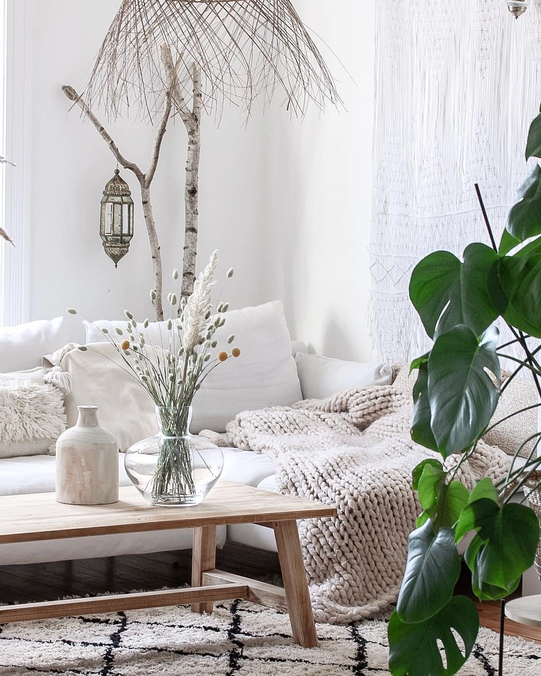 ich liebe es wenn die sonne reinscheint altbau altbauliebe boho wohnzimmer ikea couch couchstyle couchtisch 6df42d07
