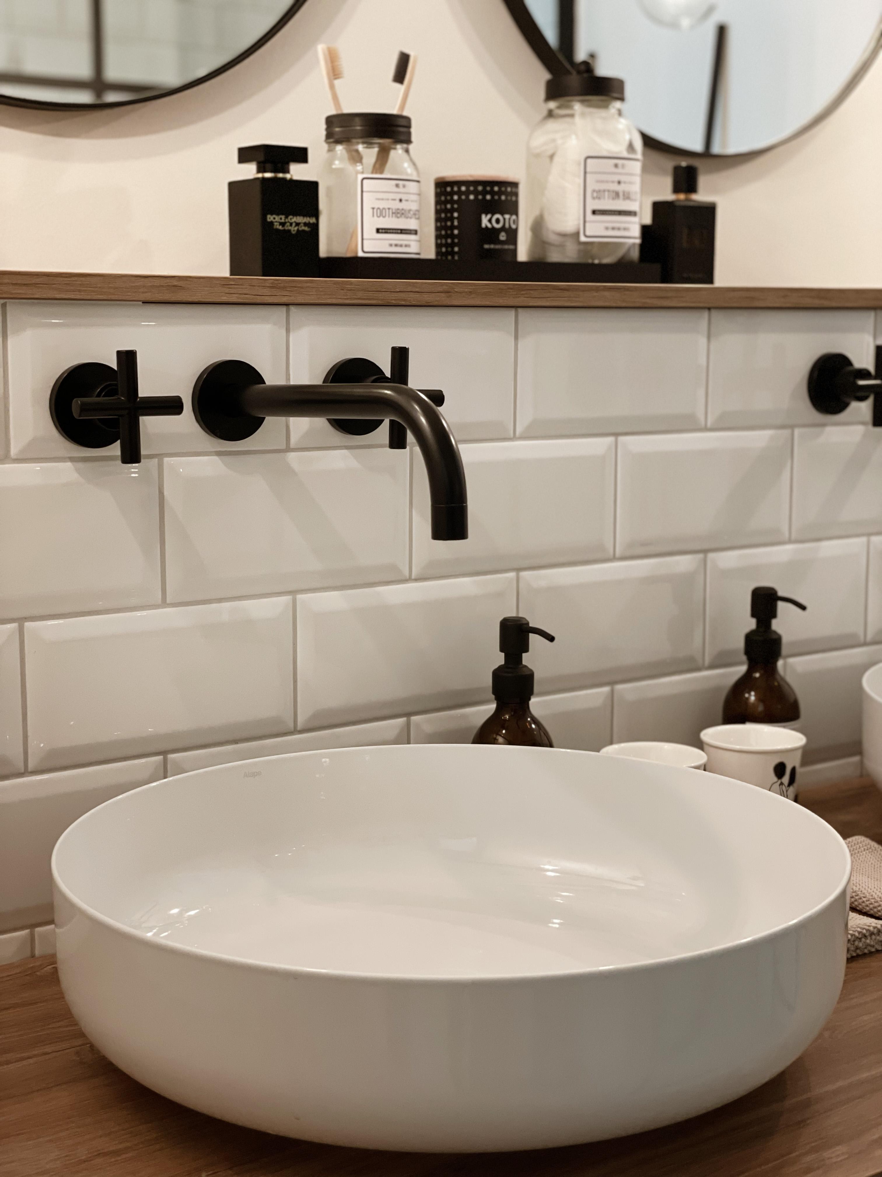Ich liebe unsere Waschbecken und vor allem die schwa...