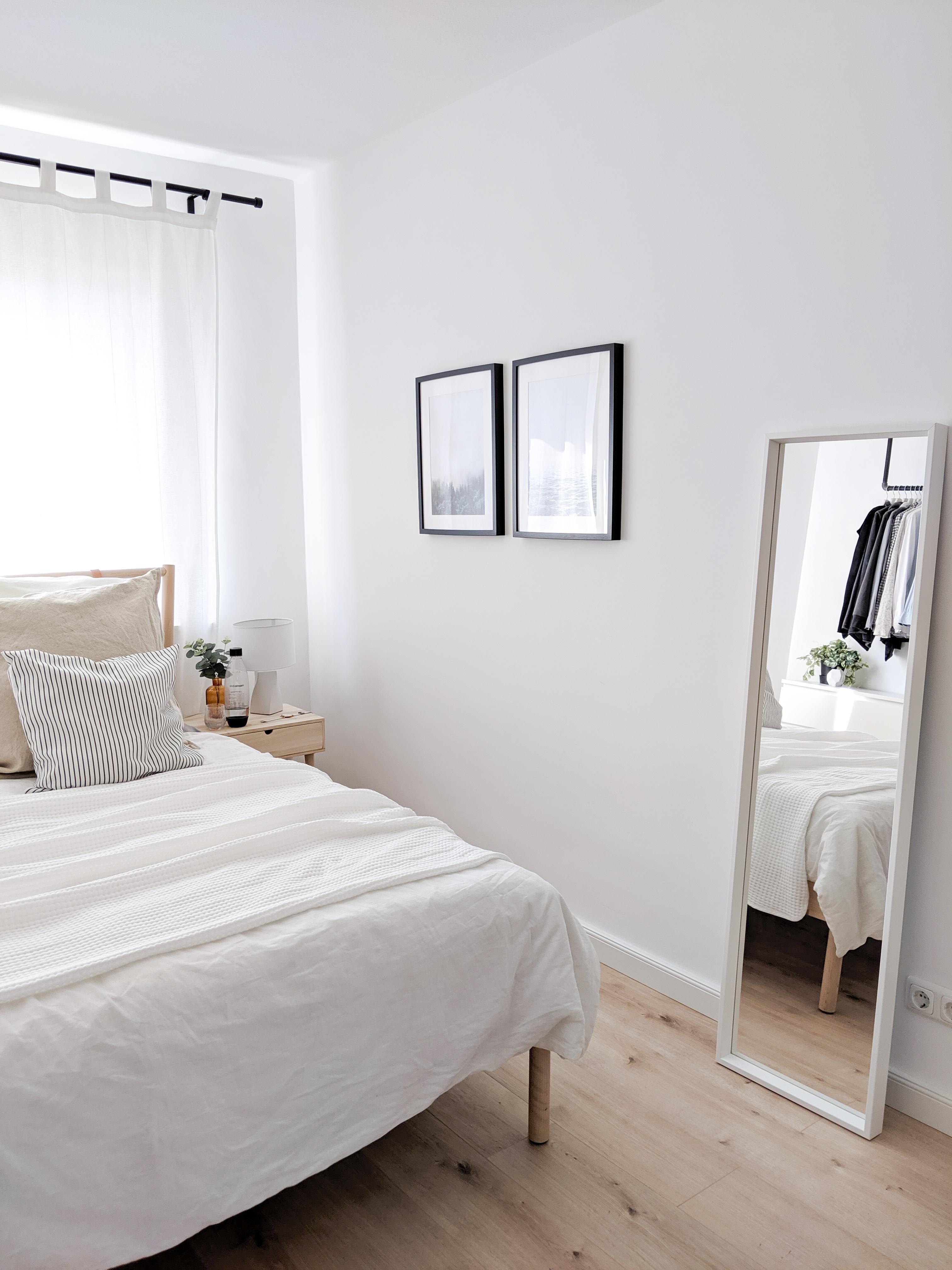 In der frisch sanierten Wohnung ❤️ #ikea #bett #Sch....