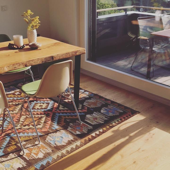 holztisch • bilder & ideen • couchstyle, Wohnzimmer dekoo