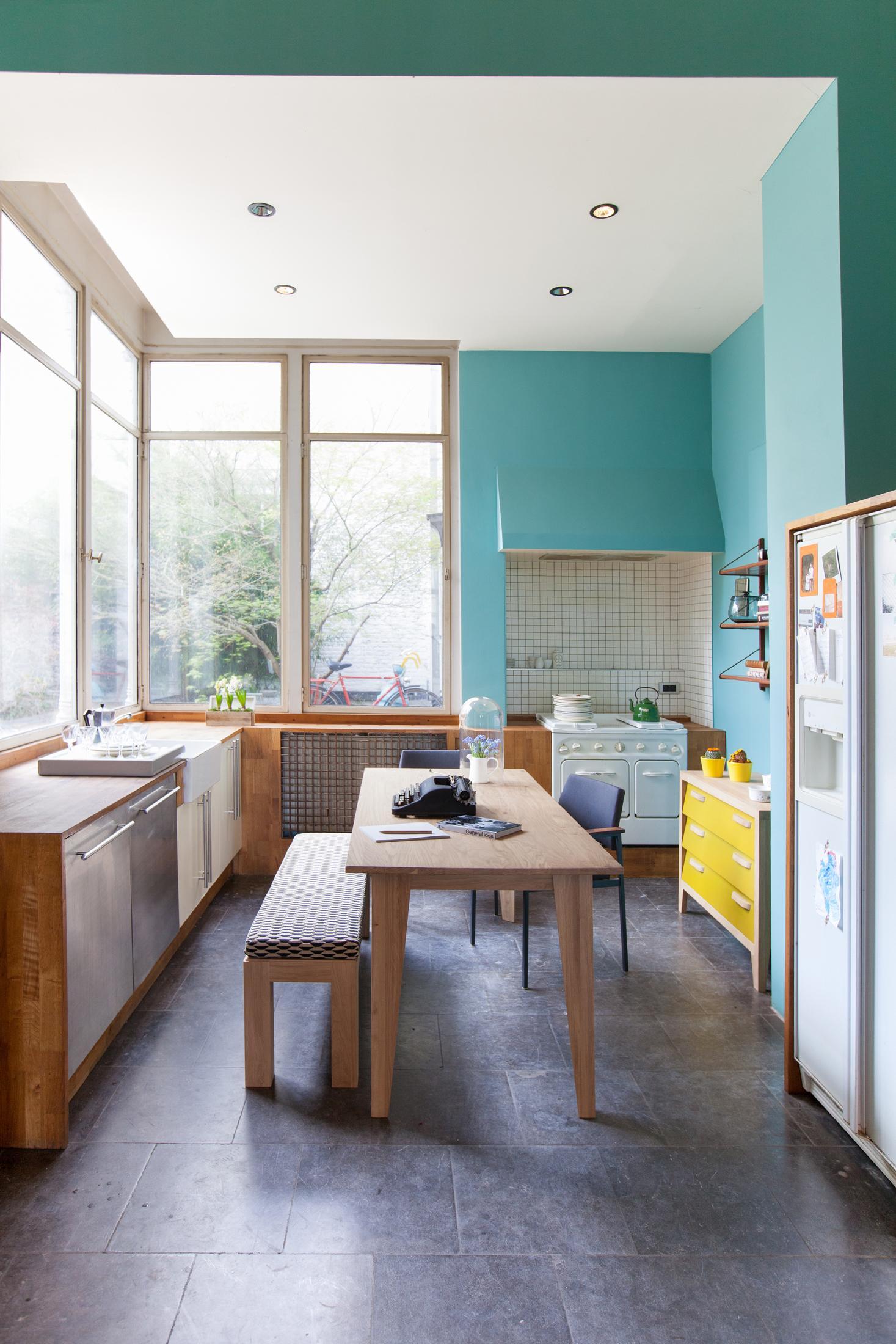 individuelle wandgestaltung in der kche kche holztisch esstisch wandgestaltung sitzbank - Kuche Wandgestaltung