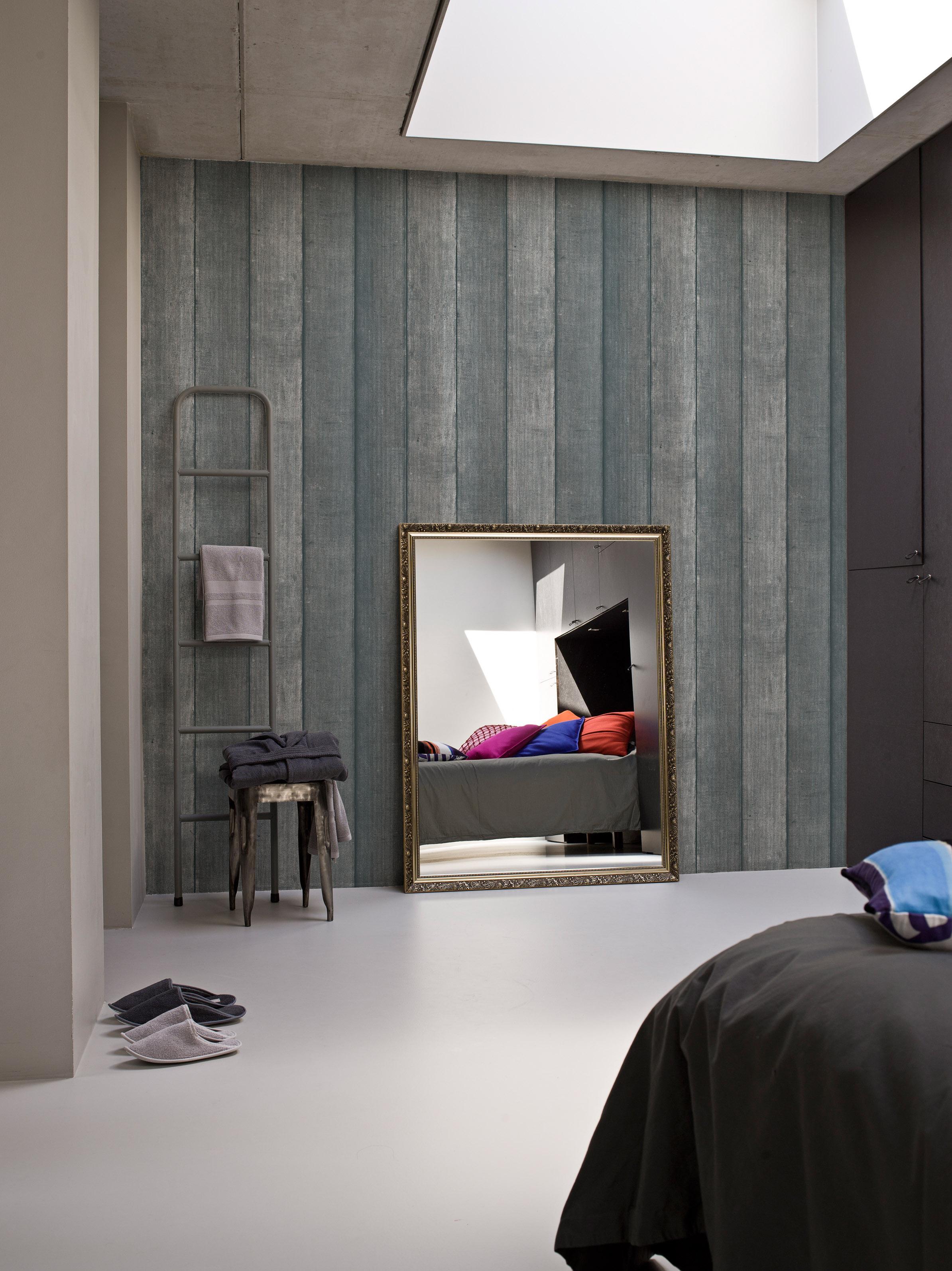 Industrie Chic im Schlafzimmer #spiegel #goldfarbene...