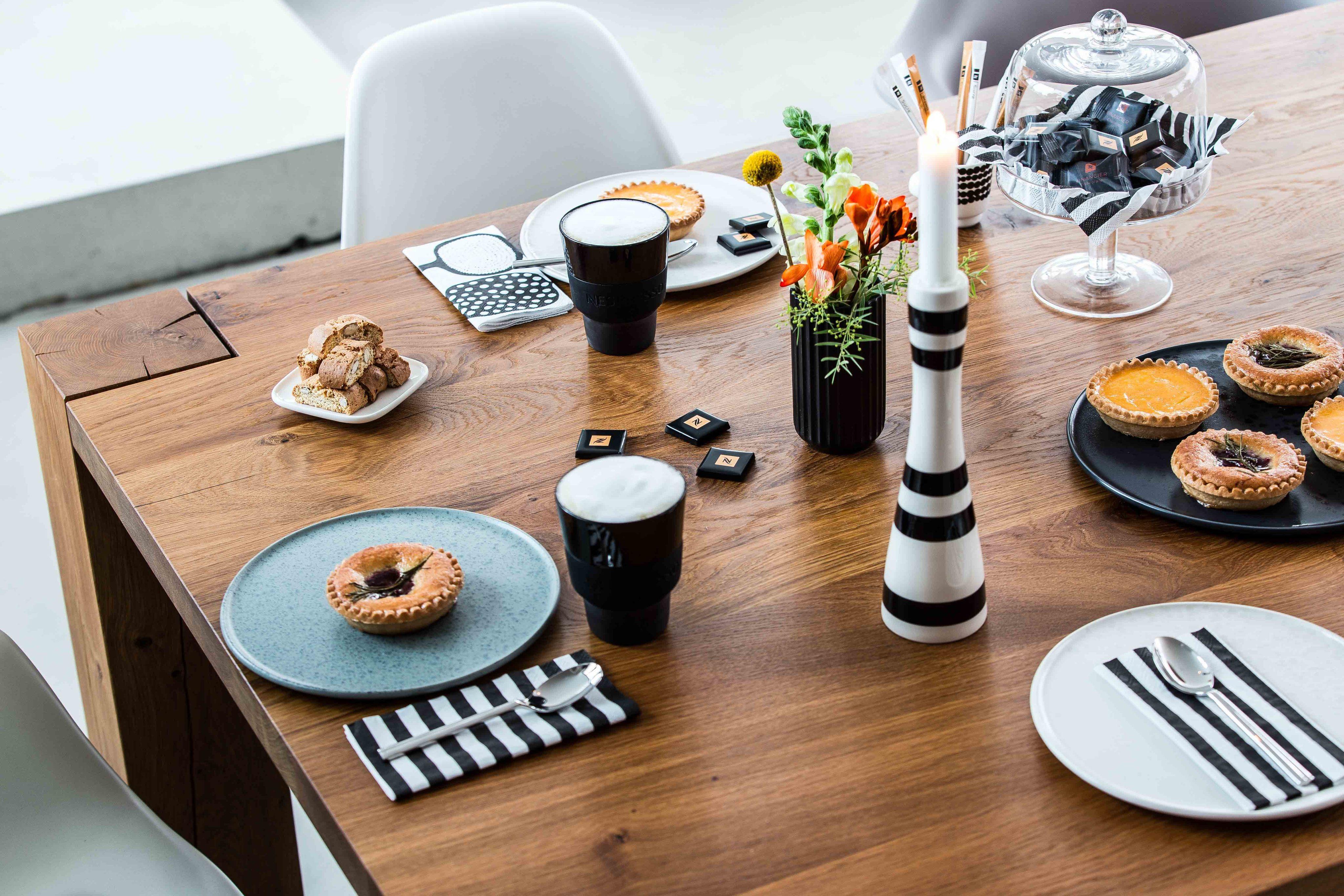 Kaffee Mit Guten Freunden Holztisch Tisch Tischde