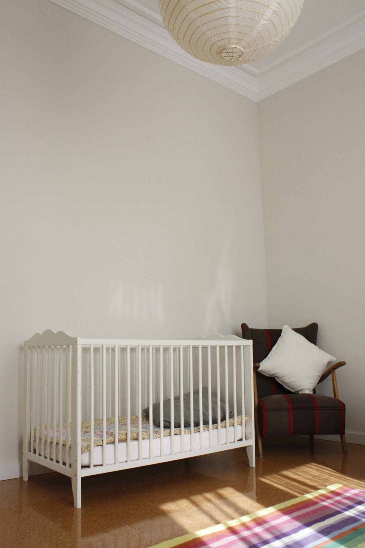 Kinderzimmer #sessel #kinderbett #babyzimmer #gestreiftersessel ©Victoria  Aragonés / Innenarhitektur