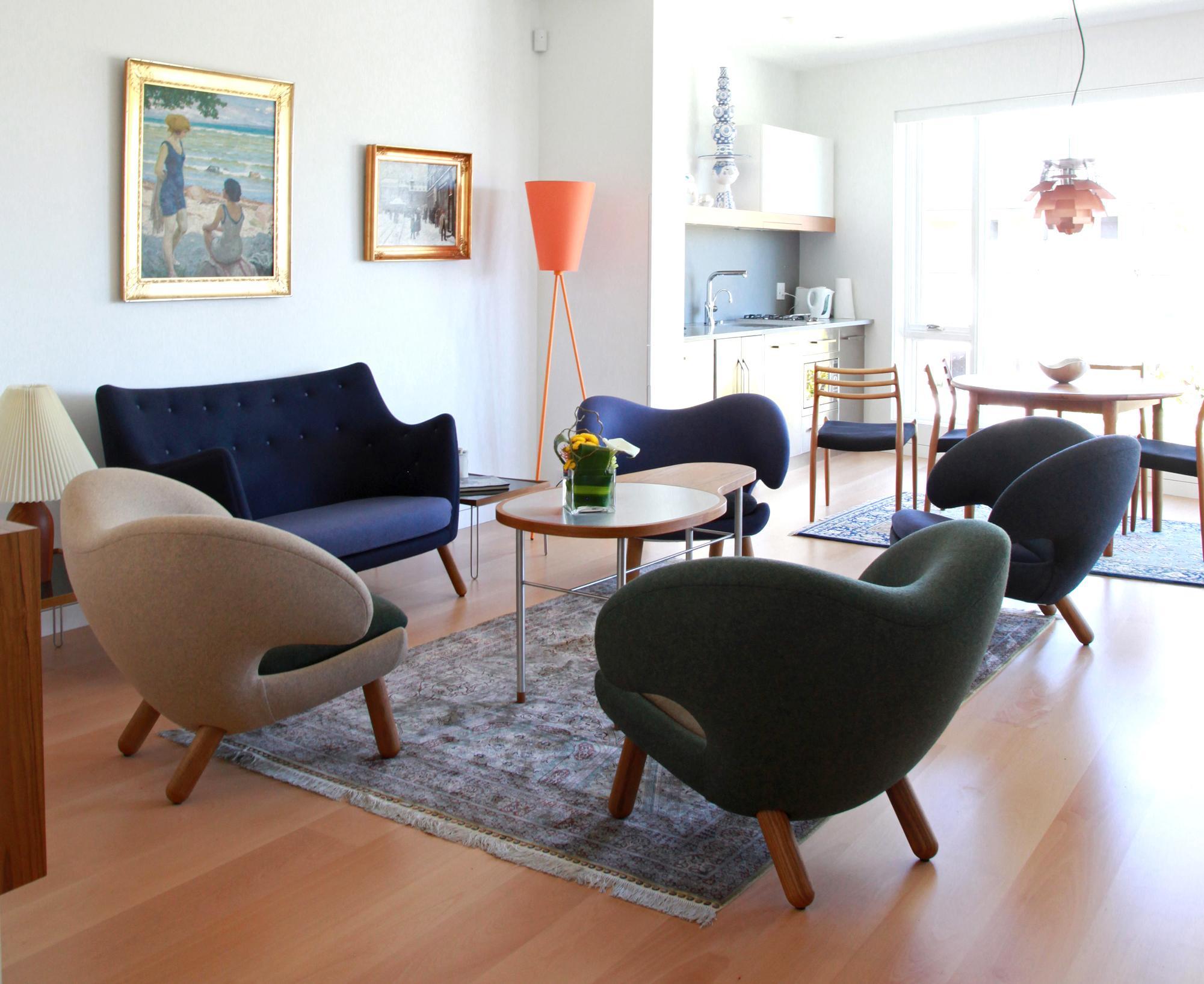 Klassische Sitzgruppe Couchtisch Wohnkche Teppich Wohnzimmer Sessel Stehlampe Sofa