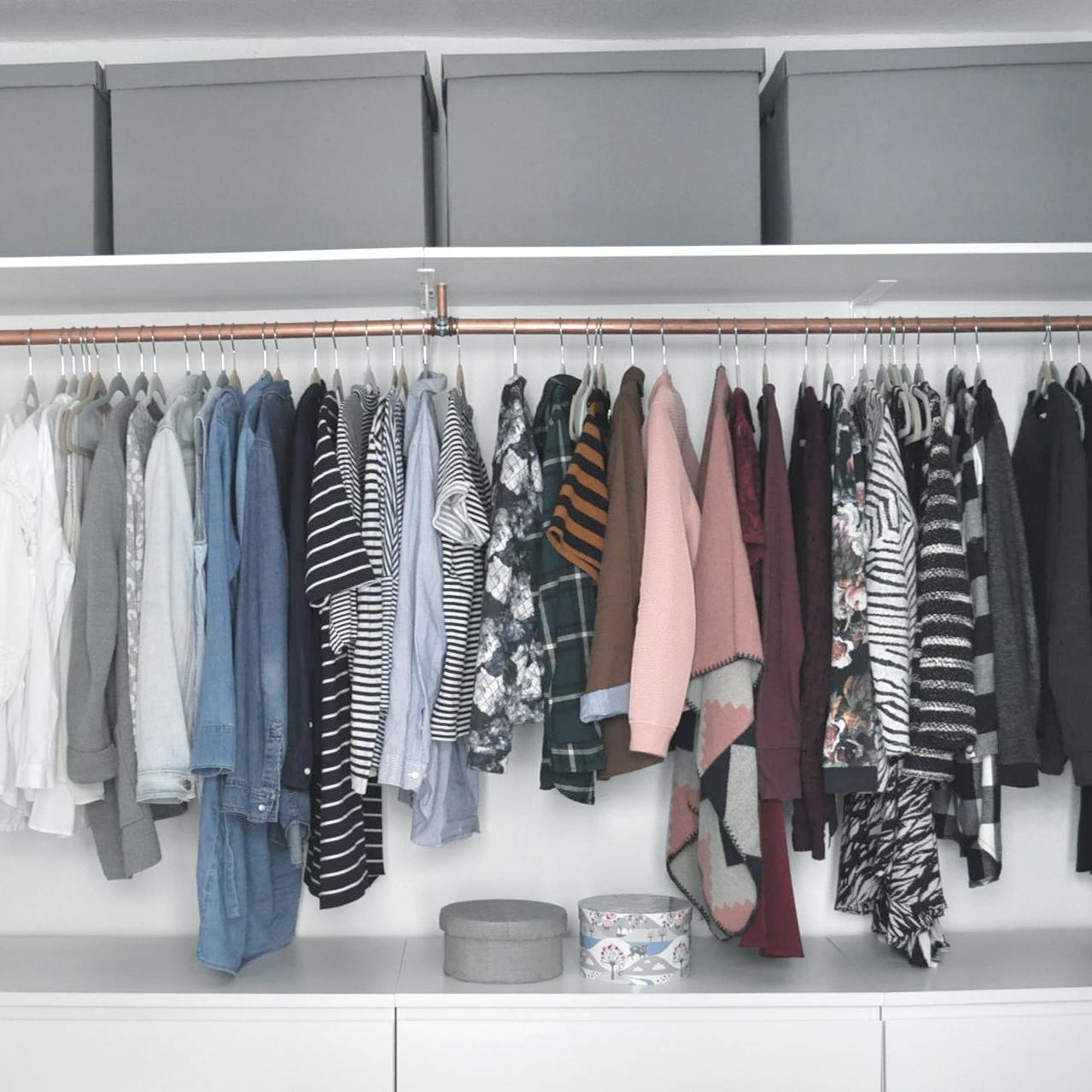 Offener kleiderschrank stange  Kleiderstange • Bilder & Ideen • COUCHstyle