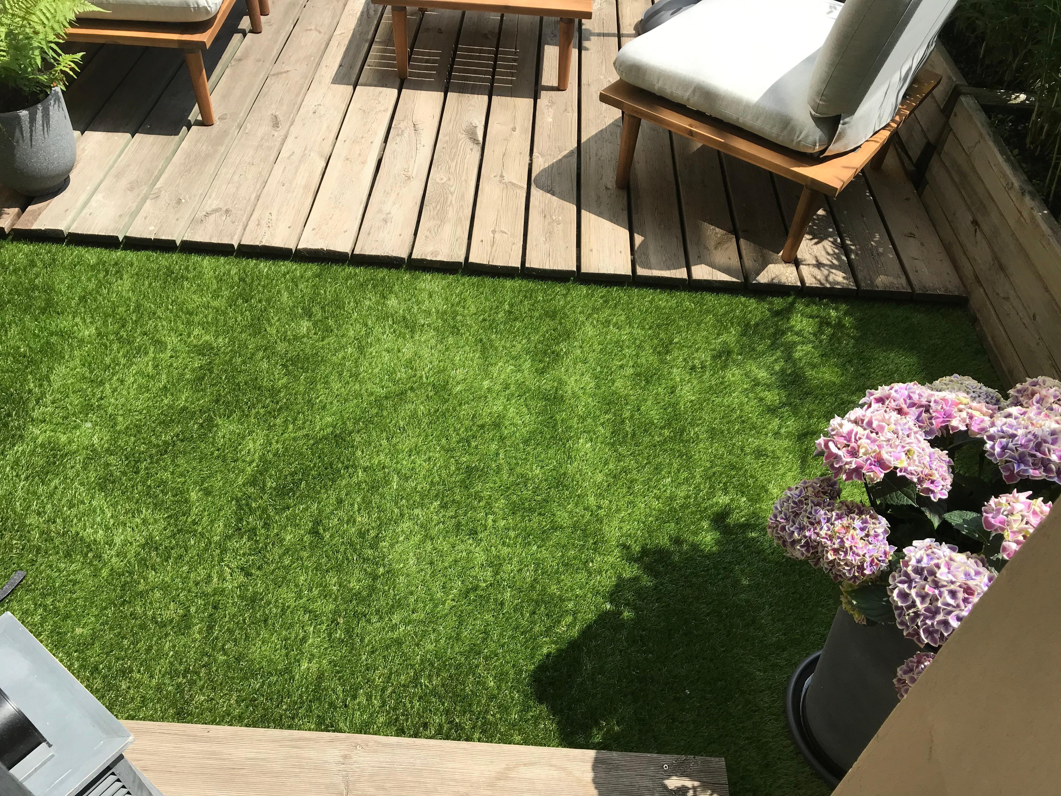 Kleine Terrasse mit Kunstrasen ❤️ sommer terrasse ...