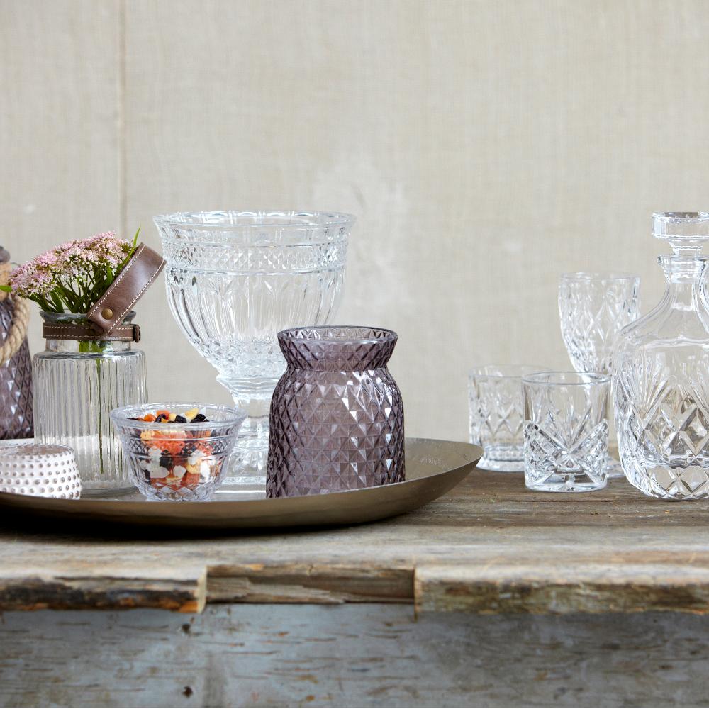 Skandinavisches design geschirr  Kristall Ideen #badezimmer #wohnzimmer #vase #kissen...