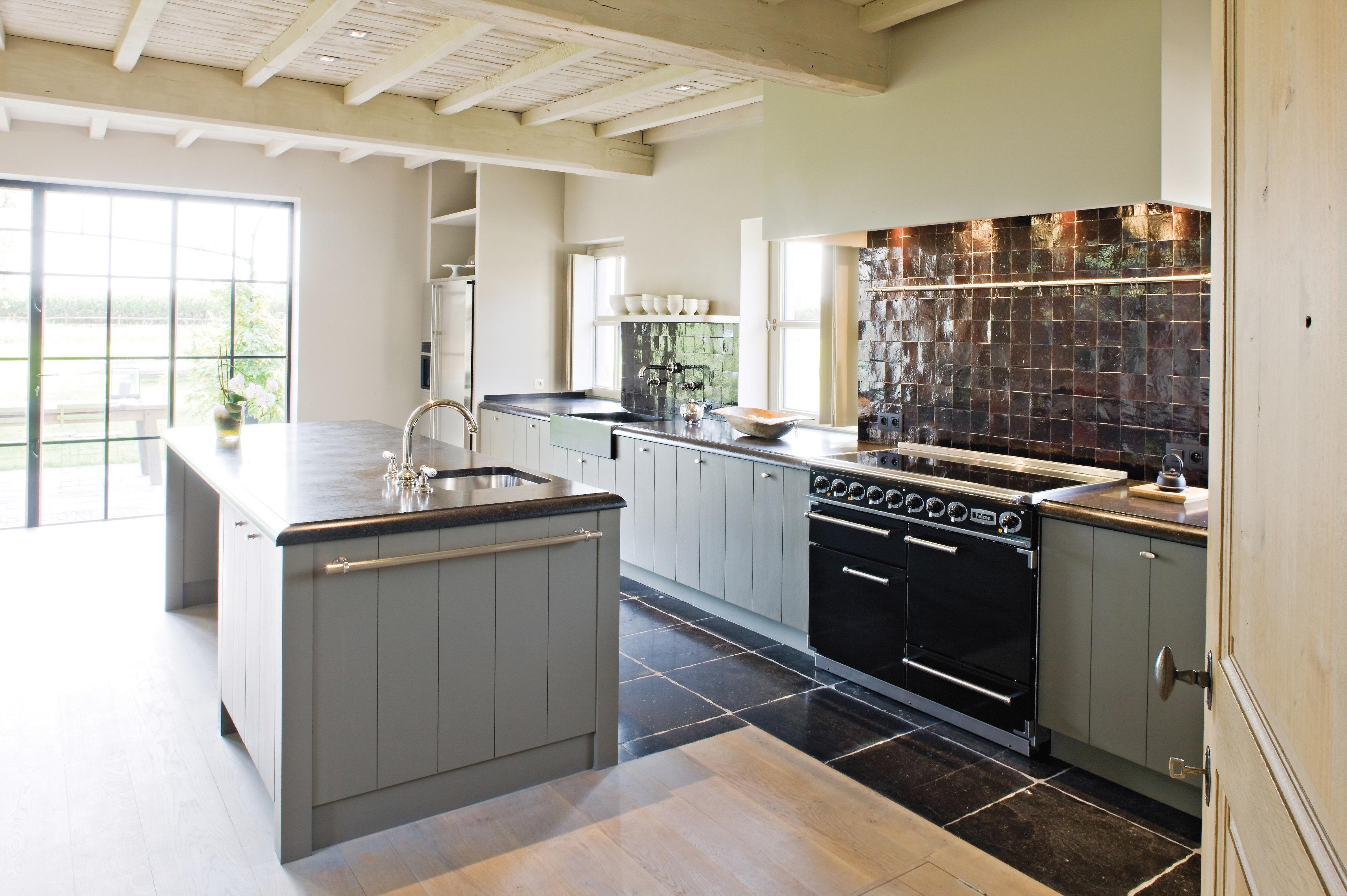Küche im landhausstil  Graue Küche • Bilder & Ideen • COUCHstyle