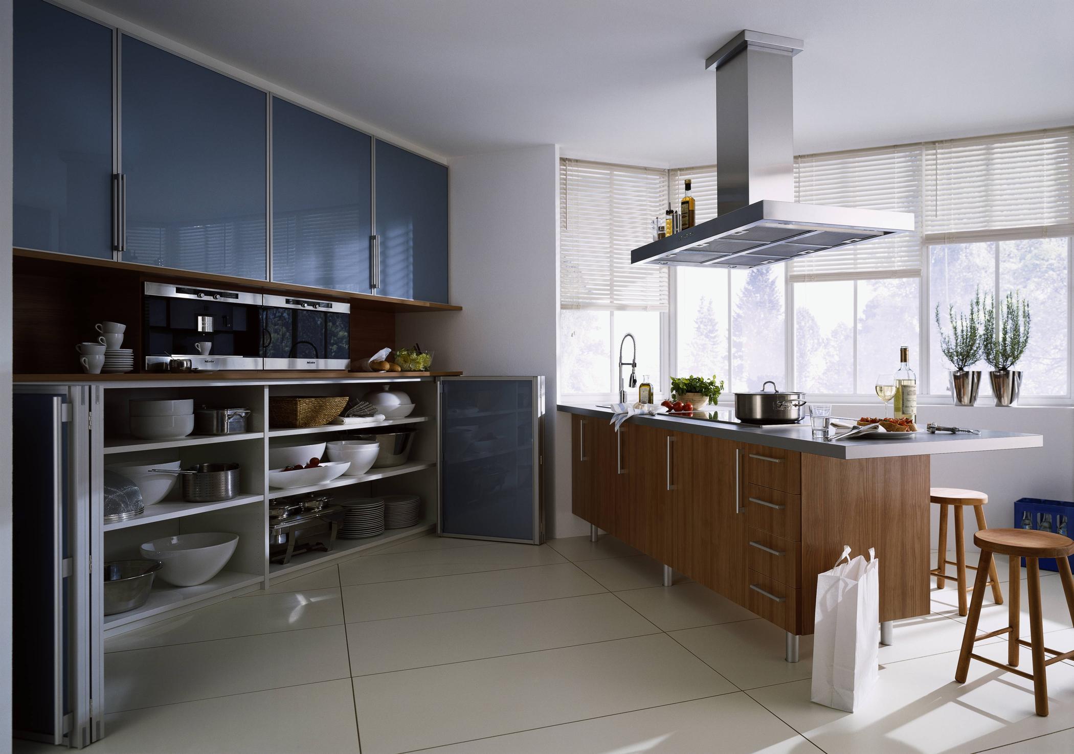Falttür Küche küche mit falttür in blau küche küchentresen raum