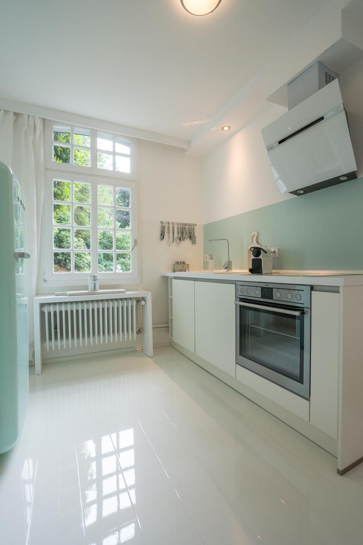 Küche mit Hochglanz Laminat #küche #laminat ©Studio ...