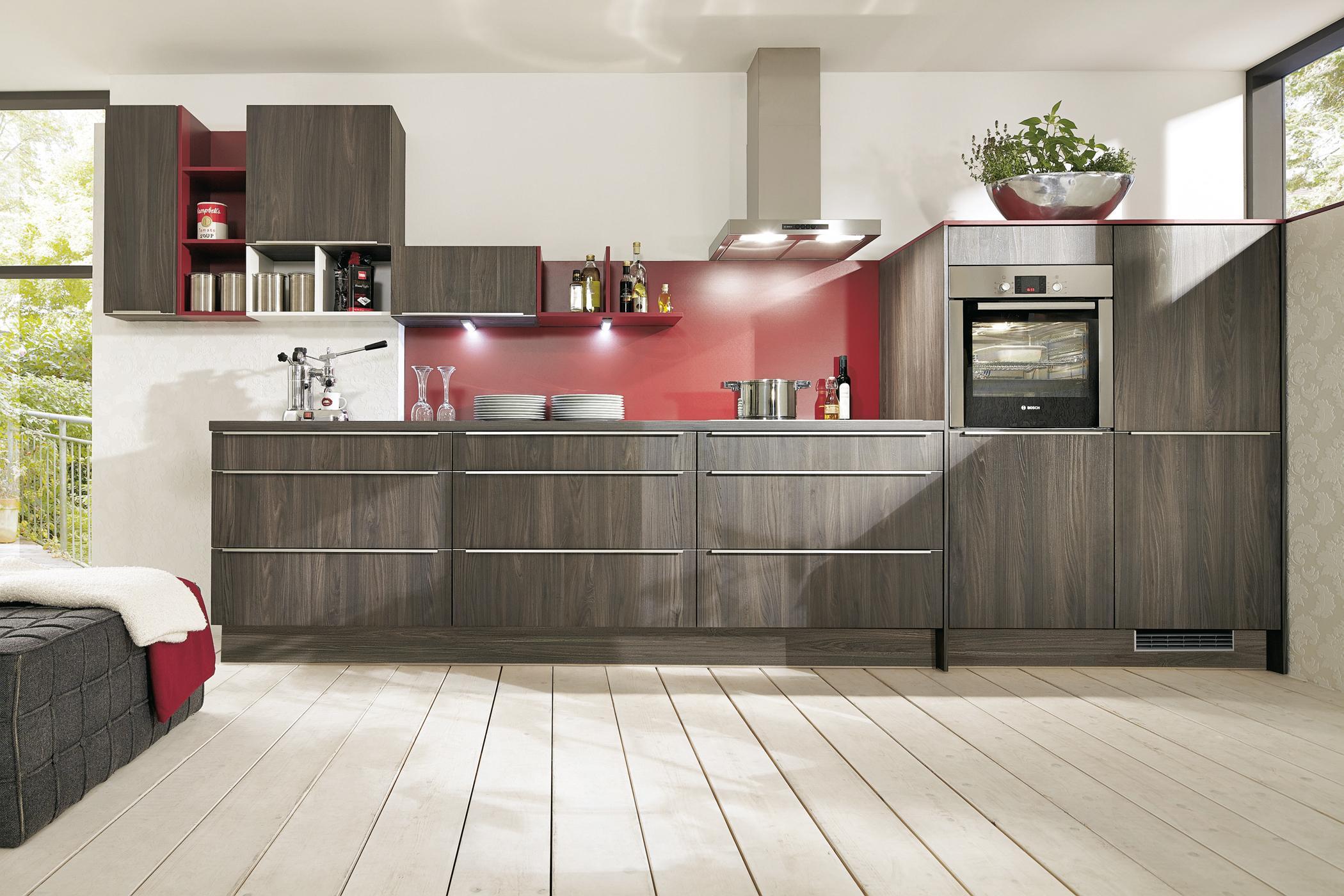 Küche Mit Holzdielen #Wandschrank ©Impuls Küchen/Aln