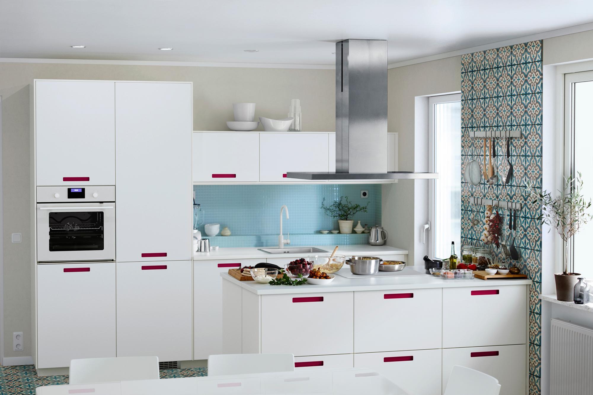 ikea küchen moderne kücheneinrichtung weiße wandfliesen .... casa ...